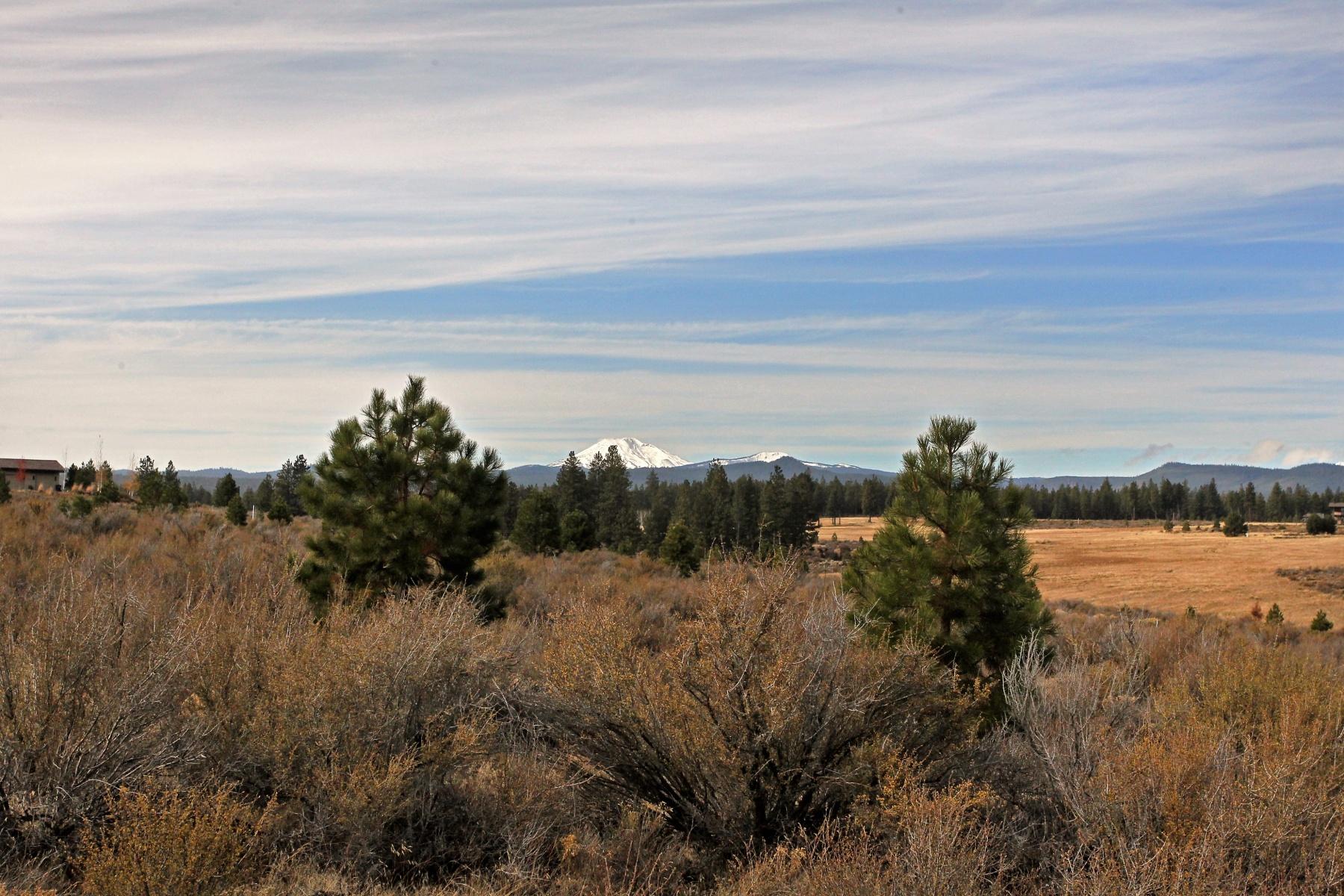 Terreno por un Venta en Tetherow Lot .61 Ac w Mtn. Views 61799 Hosmer Lake Dr Lot 330 Bend, Oregon, 97702 Estados Unidos