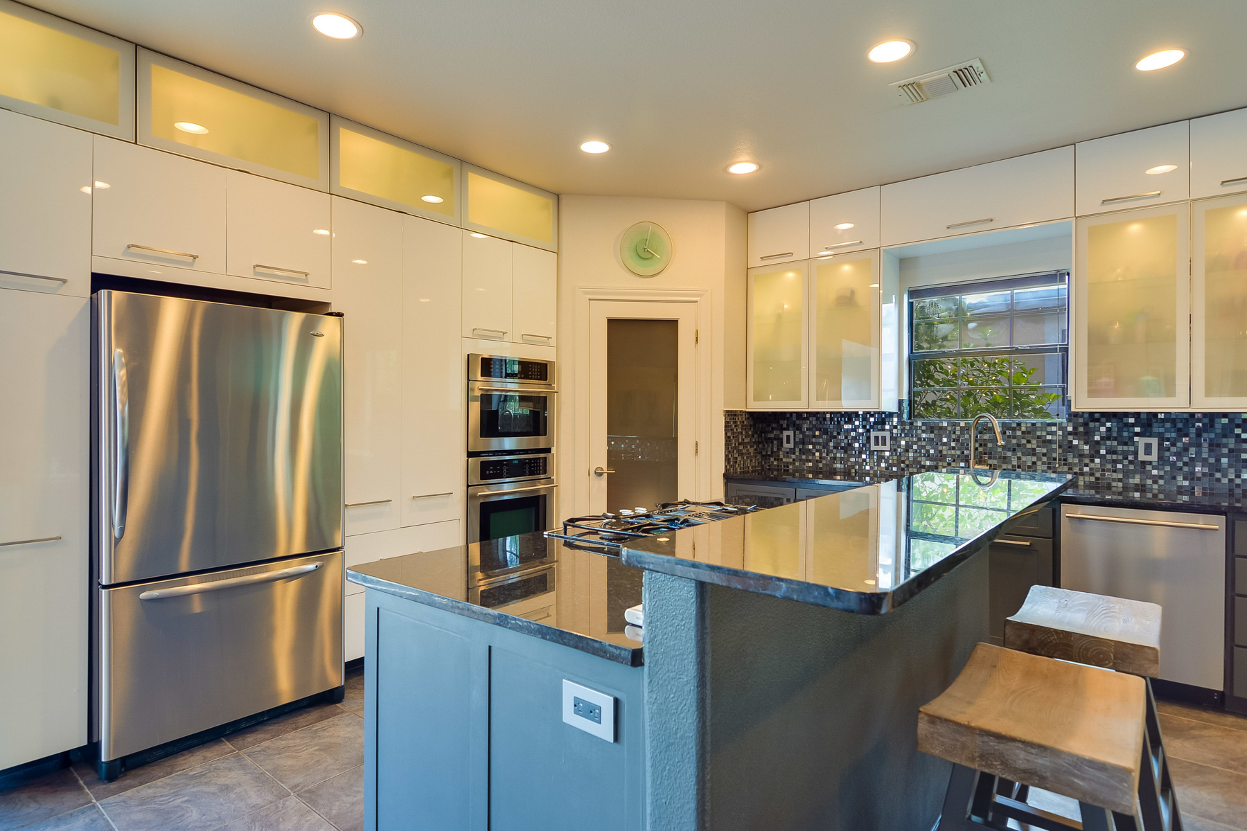 Additional photo for property listing at Breathtaking Modern Home in Sonterra 23007 Whisper Canyon San Antonio, Texas 78258 Estados Unidos