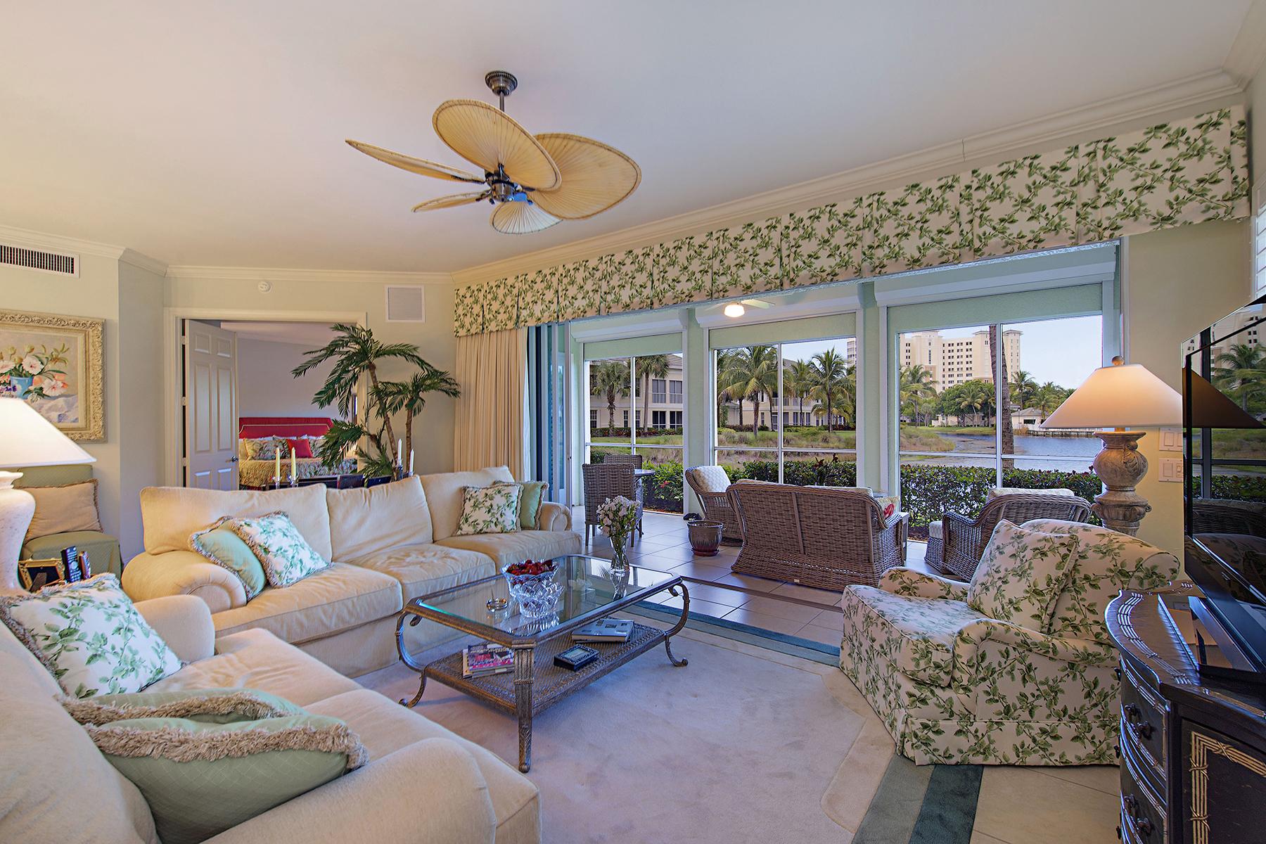 Кооперативная квартира для того Продажа на THE DUNES 365 Sea Grove Ln 102 Naples, Флорида 34110 Соединенные Штаты