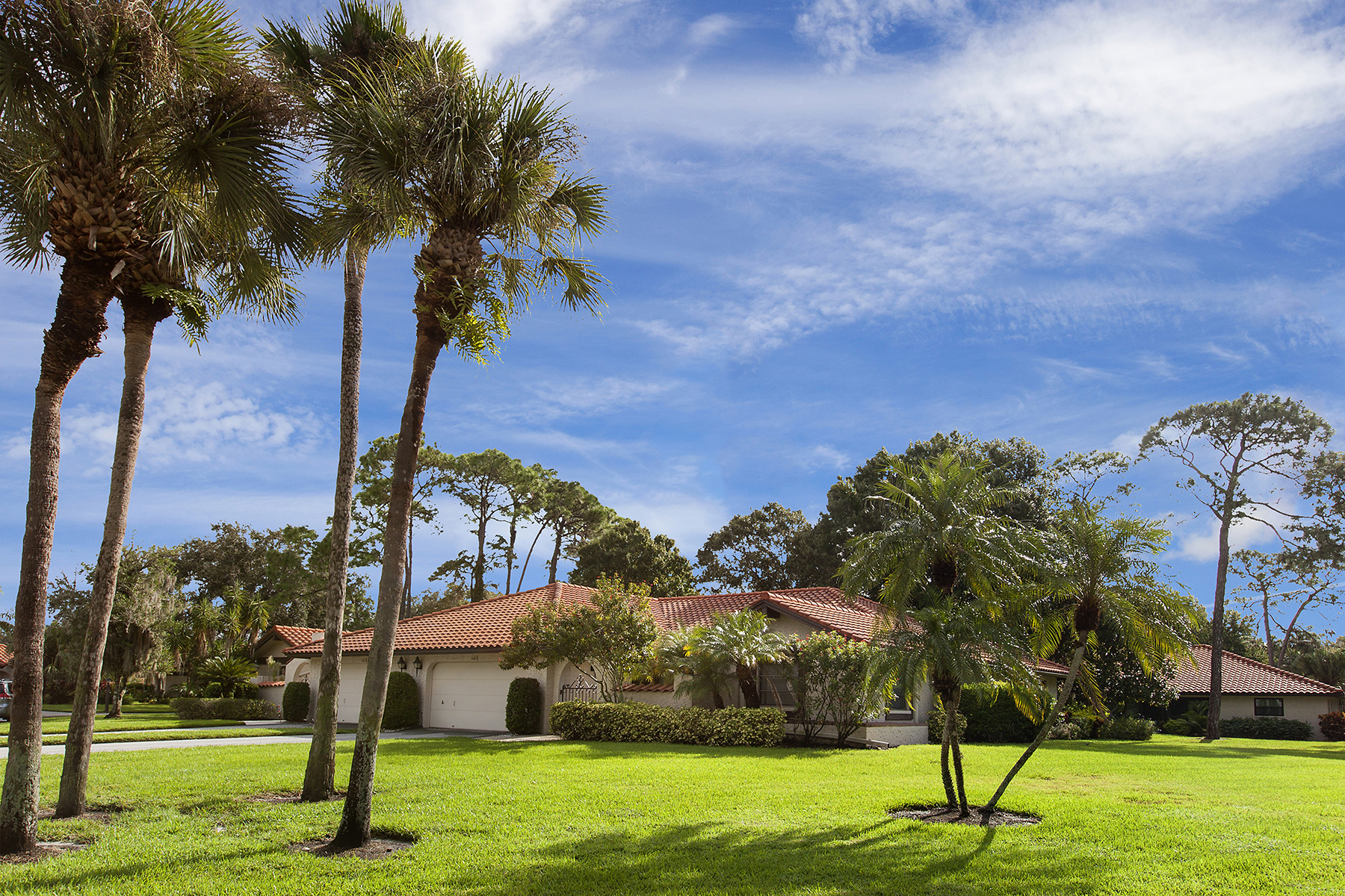 Townhouse for Sale at GOLF POINTE 5489 Golf Pointe Dr Sarasota, Florida, 34243 United States