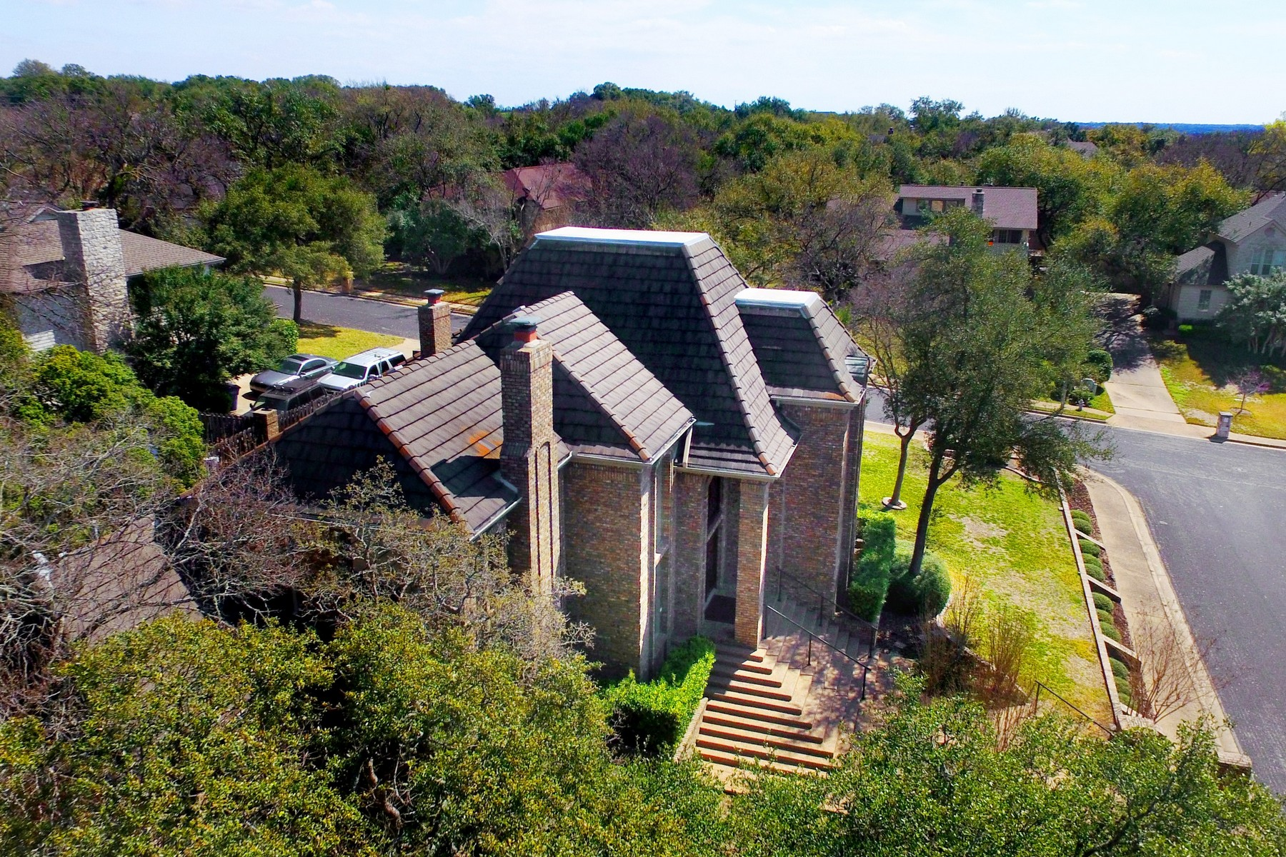 Additional photo for property listing at Majestic Custom in Spicewood at Bullcreek 10401 Lockerbie Dr Austin, Texas 78750 Estados Unidos