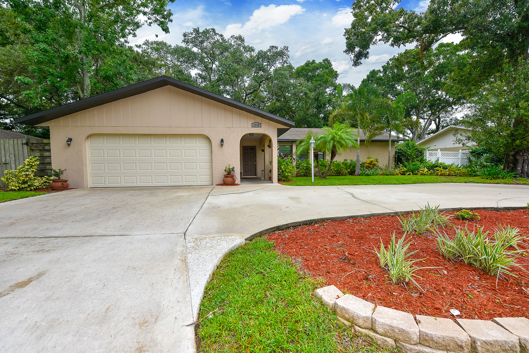 Single Family Home for Sale at UNIVERSITY PINES 8340 Brandeis Cir W Sarasota, Florida, 34243 United States