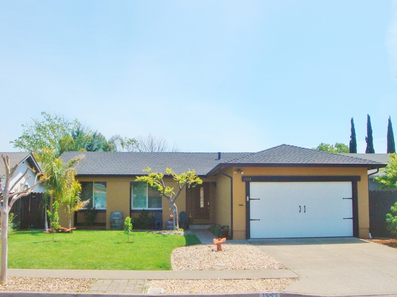 sales property at 1553 Parkwood St, Napa, CA 94558