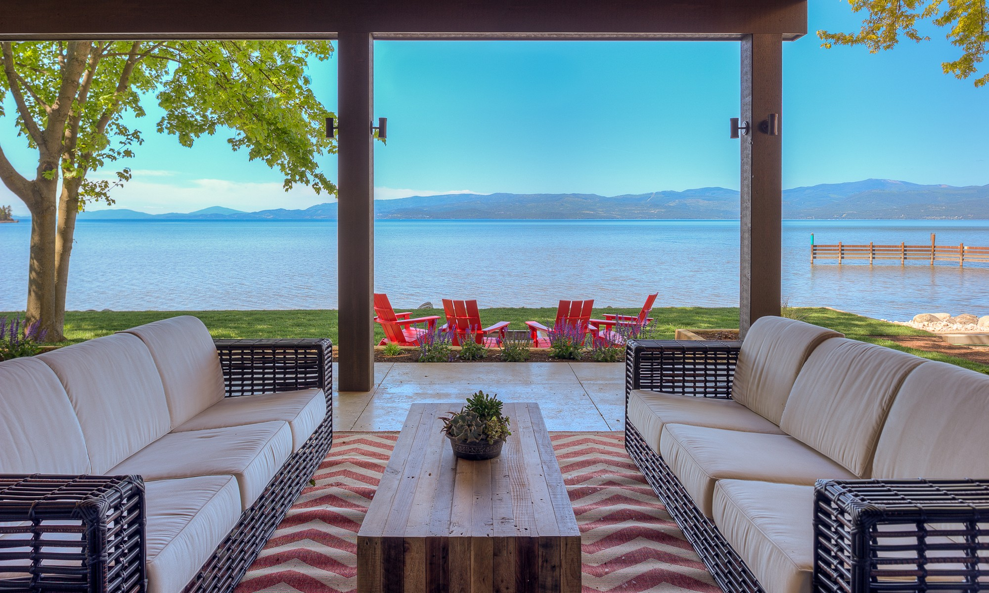 Casa Unifamiliar por un Venta en Flathead Lake Contemporary 62 Rivers Bigfork, Montana, 59911 Estados Unidos