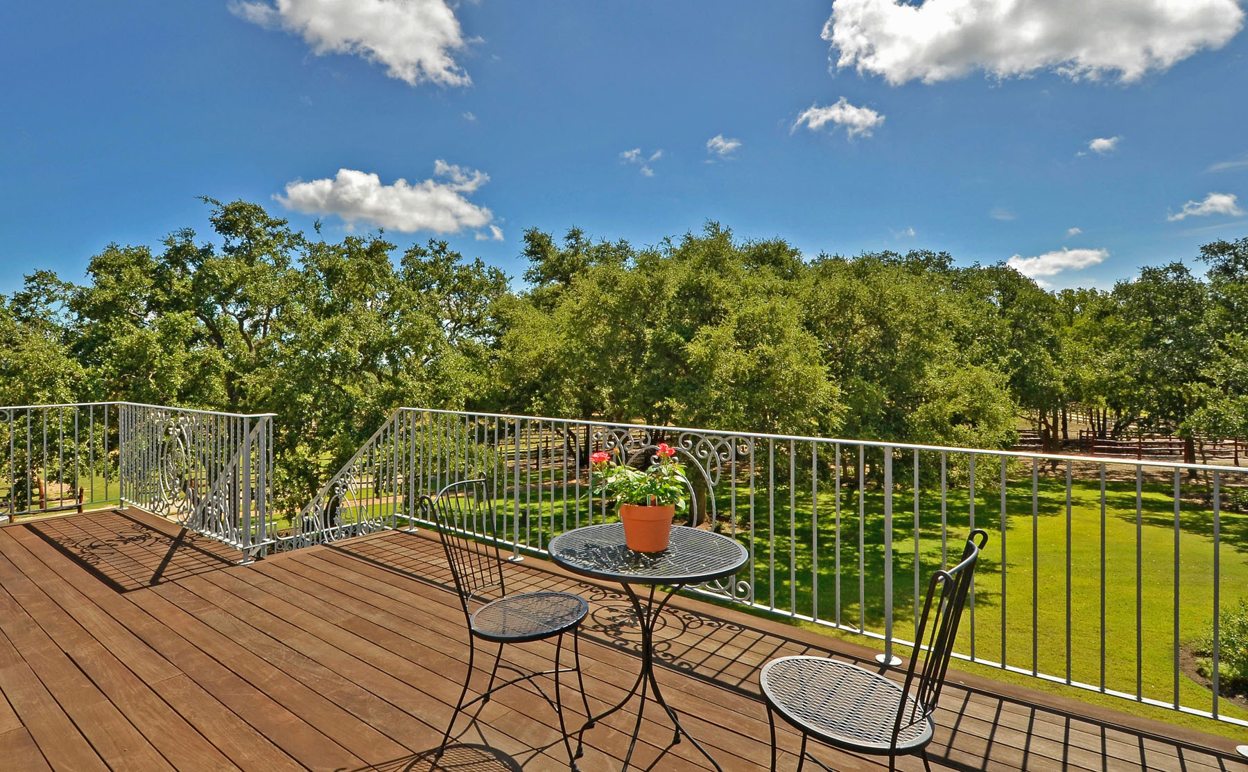 Additional photo for property listing at The Texas Hill Country Manor 690 Autumn Ln Dripping Springs, Texas 78620 Estados Unidos