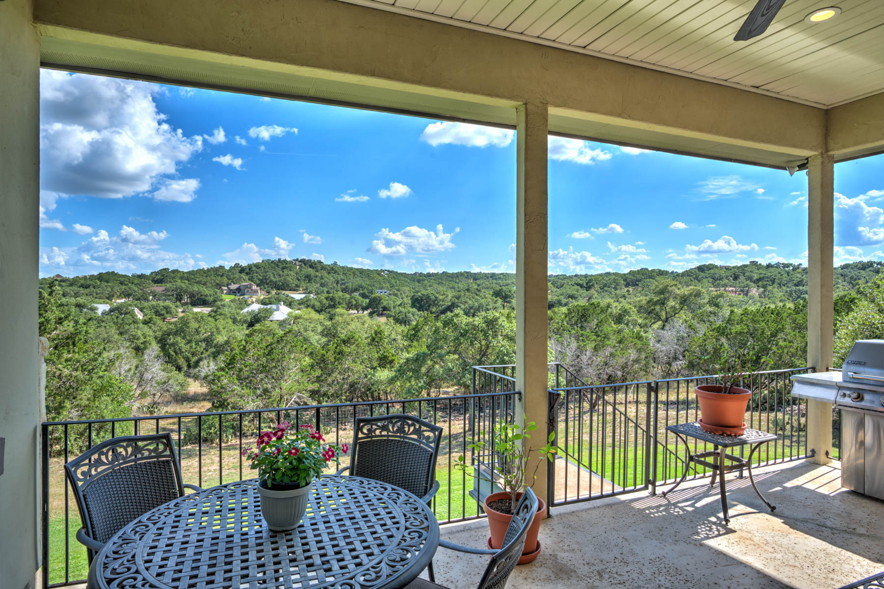 Additional photo for property listing at Picturesque Texas Hill Country Views Abound 263 Westin Hills New Braunfels, Texas 78132 Estados Unidos