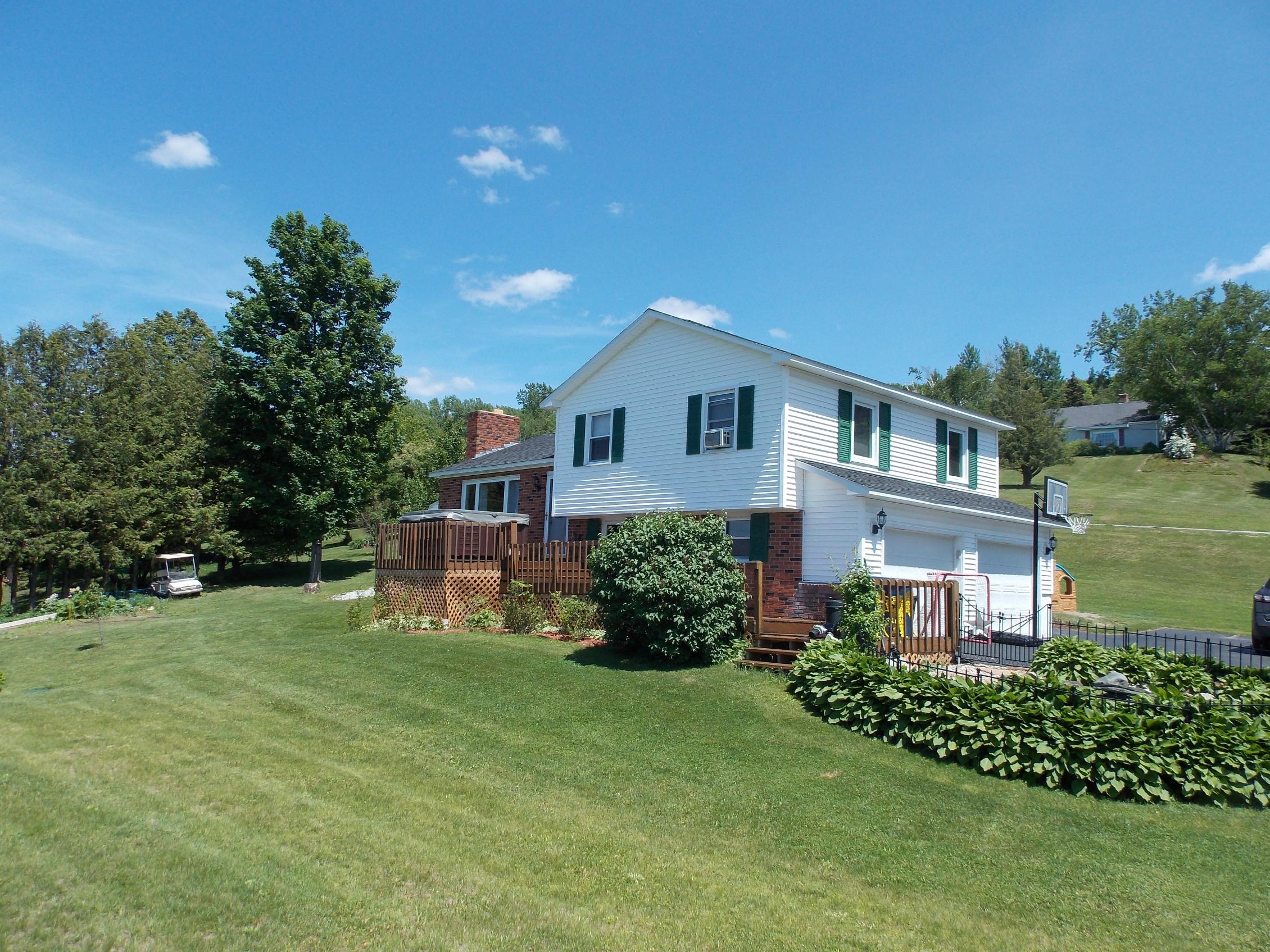 獨棟家庭住宅 為 出售 在 87 French Hill Road, St. Albans Town 87 French Hill Rd St. Albans, 佛蒙特州 05478 美國