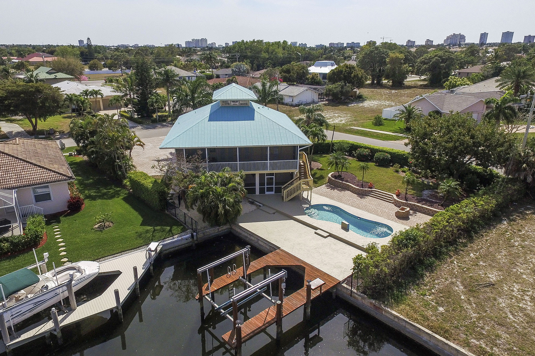 sales property at MARCO ISLAND - TEMPLEWOOD COURT