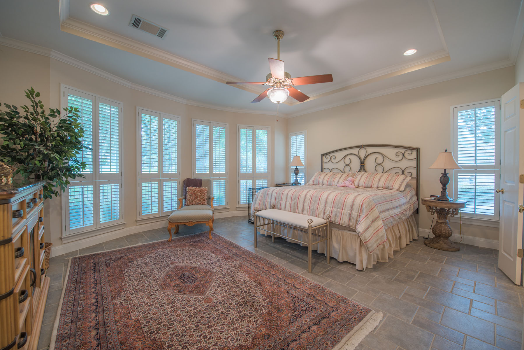 Additional photo for property listing at Golf Course Living 313 The Hills Dr 16 The Hills, Texas 78738 United States