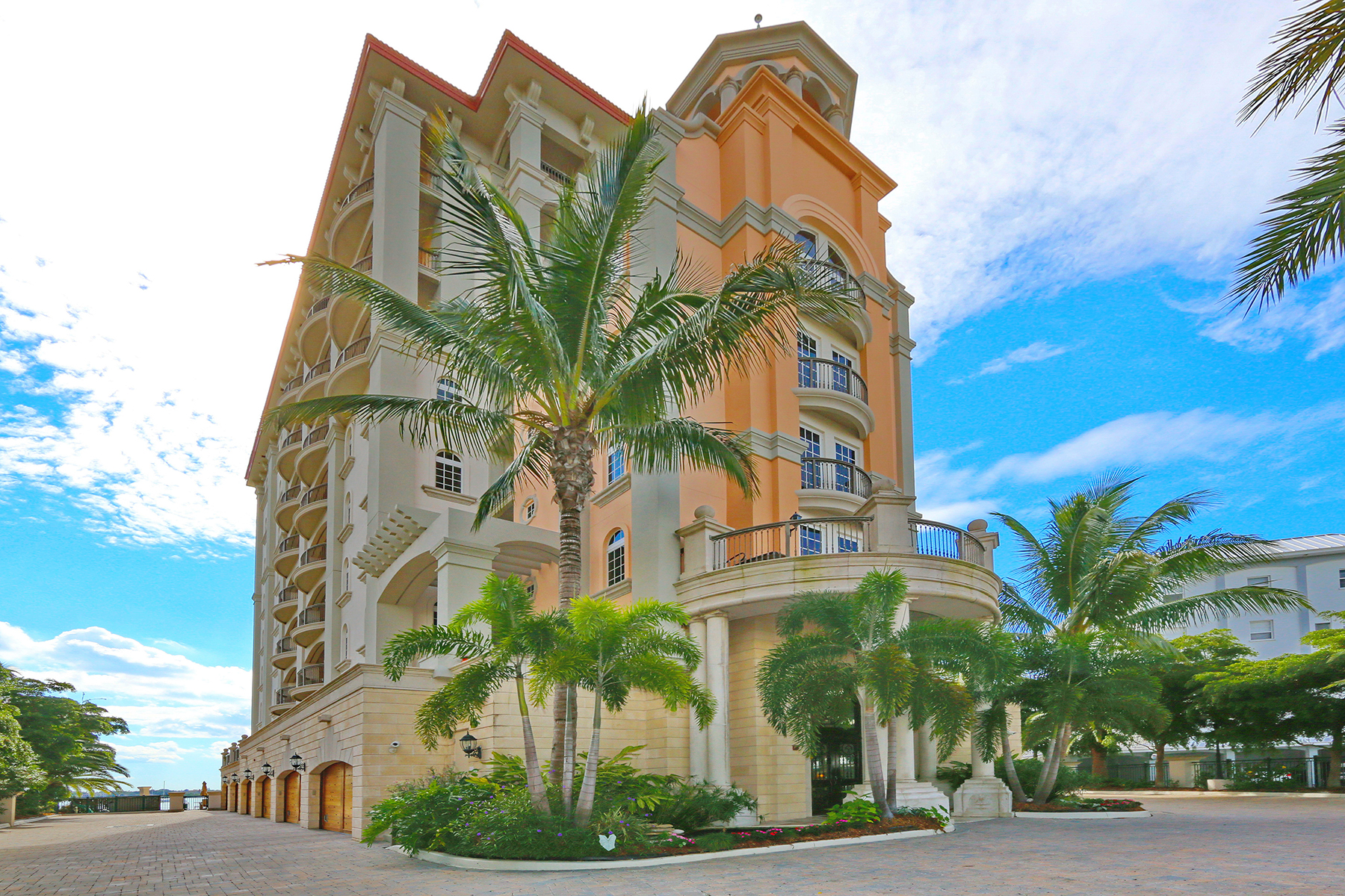 Condominium for Sale at GRANDE RIVIERA 420 Golden Gate Pt 700PH Sarasota, Florida, 34236 United States