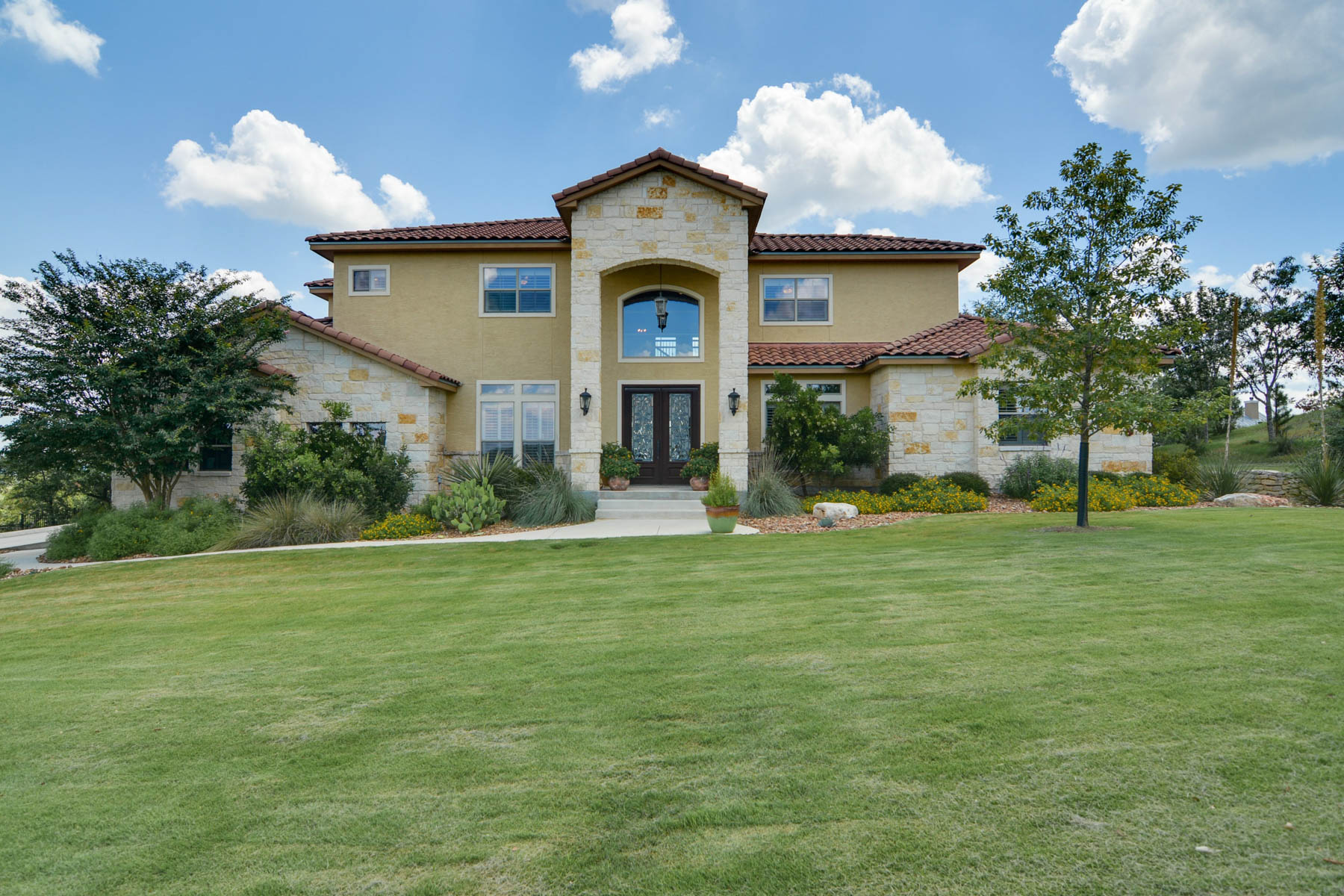 Single Family Home for Sale at Spectacular Home in Spring Branch 212 Fossil Hills Loop Spring Branch, Texas 78070 United States