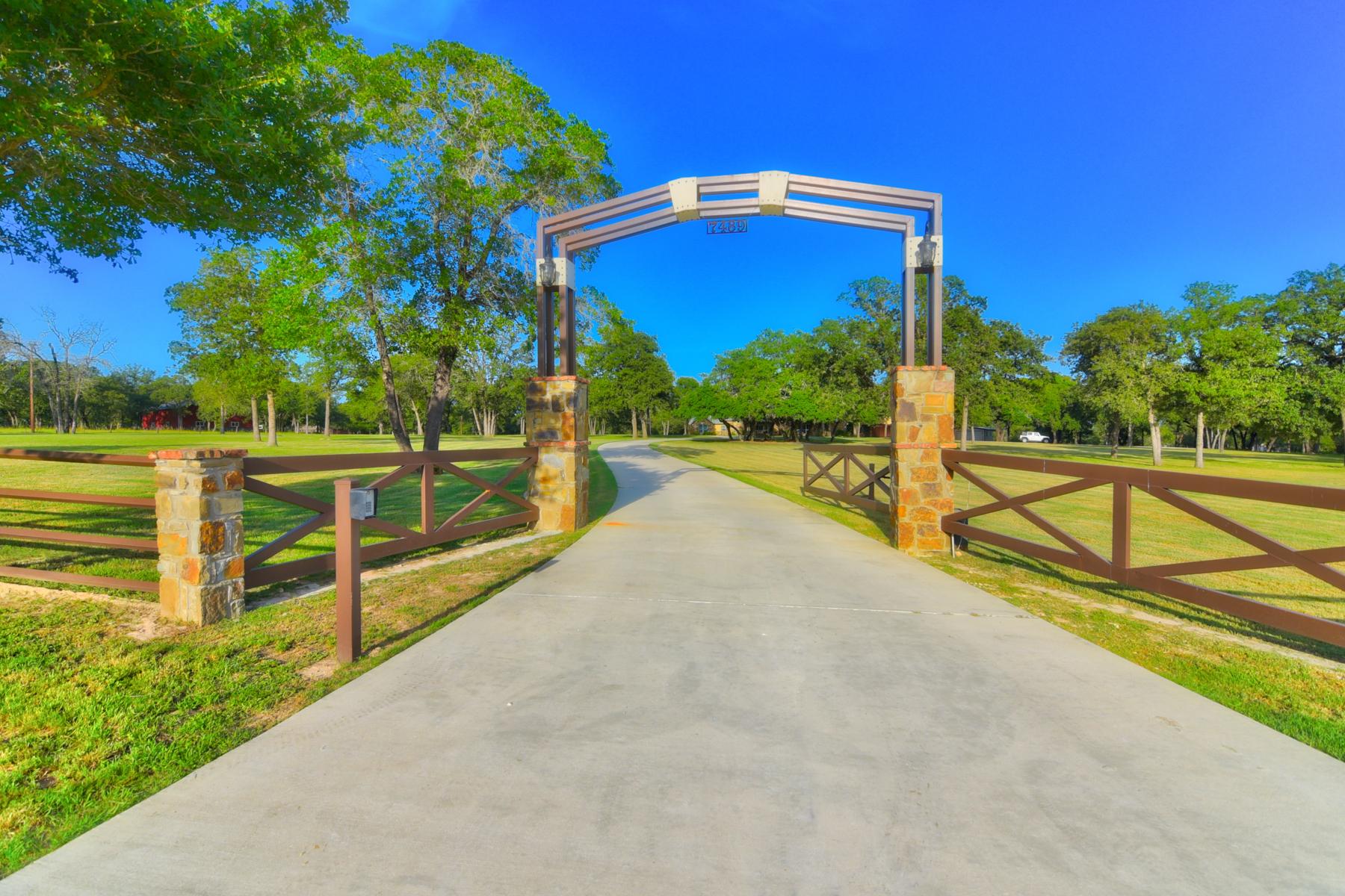 Single Family Home for Sale at Breathtaking La Vernia Gem 7489 FM 775 La Vernia, Texas 78121 United States
