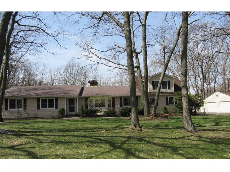 Single Family Home for Sale at Farm Ranch Northport, New York, 11768 United States
