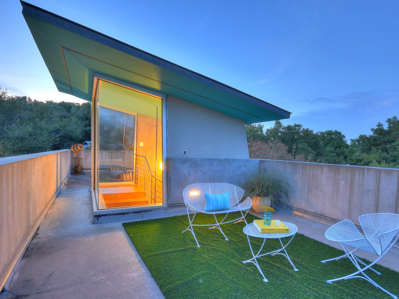 Additional photo for property listing at South Congress Contemporary 1117 Gillespie Pl Austin, Texas 78704 United States