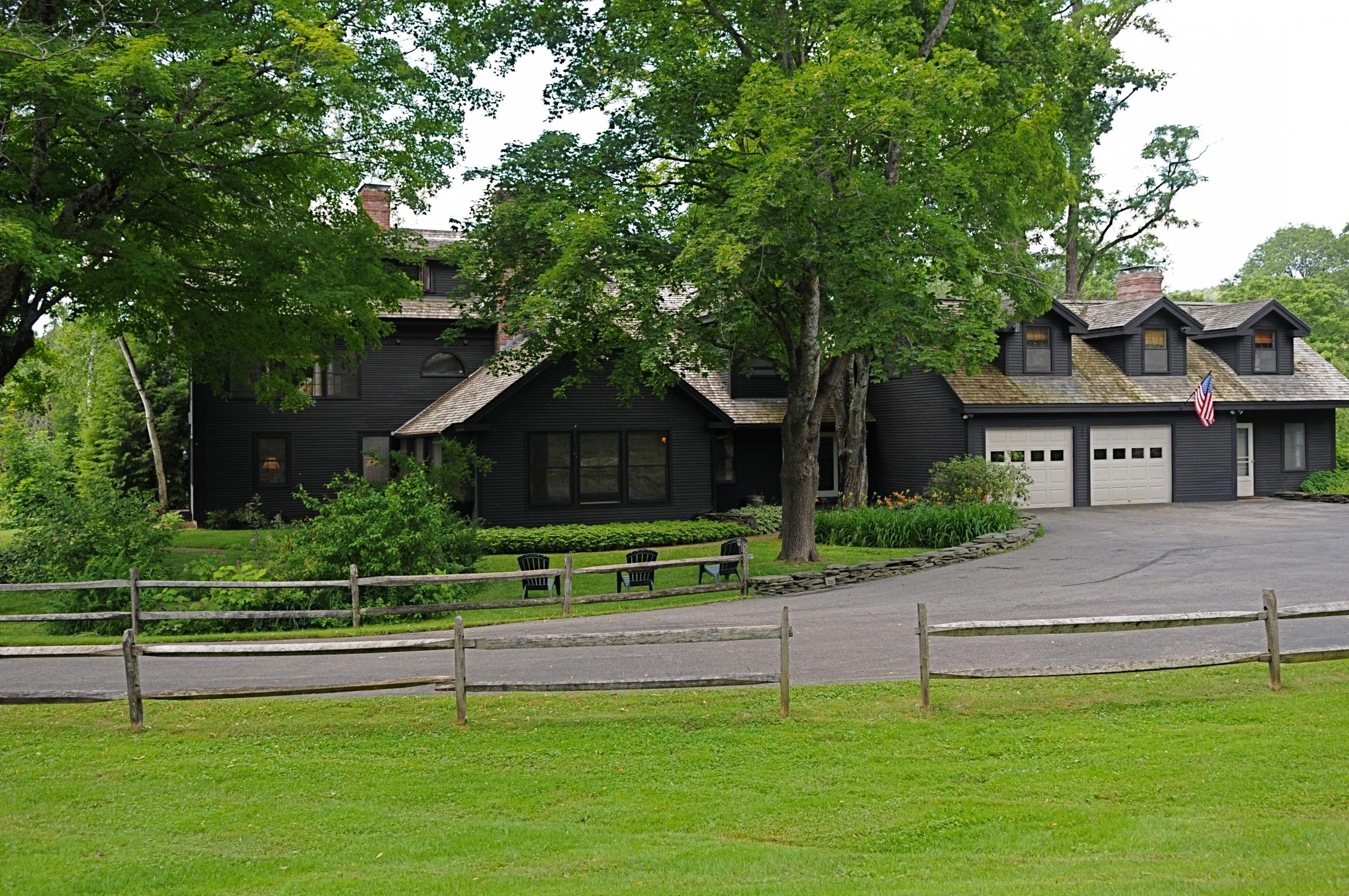 Maison unifamiliale pour l Vente à 914 Main Street, Waitsfield Waitsfield, Vermont 05673 États-Unis