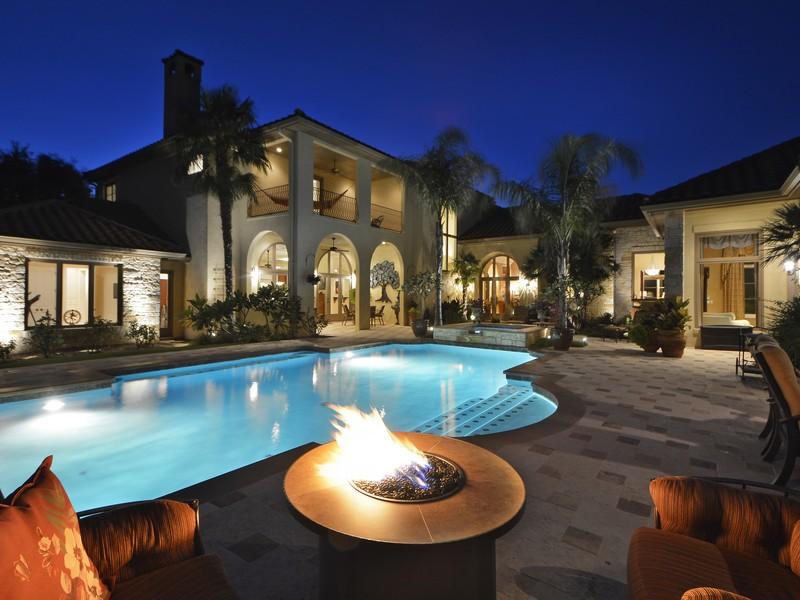Nhà ở một gia đình vì Bán tại Casa de la Tranquilidad 105 Costa Bella Cv Austin, Texas 78734 Hoa Kỳ