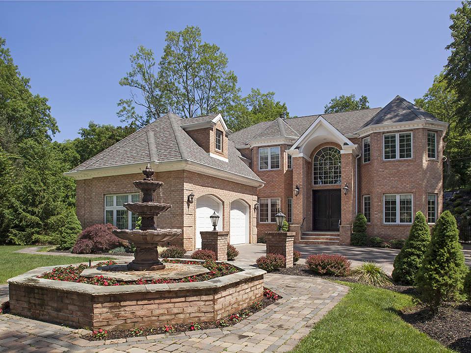 一戸建て のために 売買 アット Colonial 24 Kendrick Ln Dix Hills, ニューヨーク 11746 アメリカ合衆国