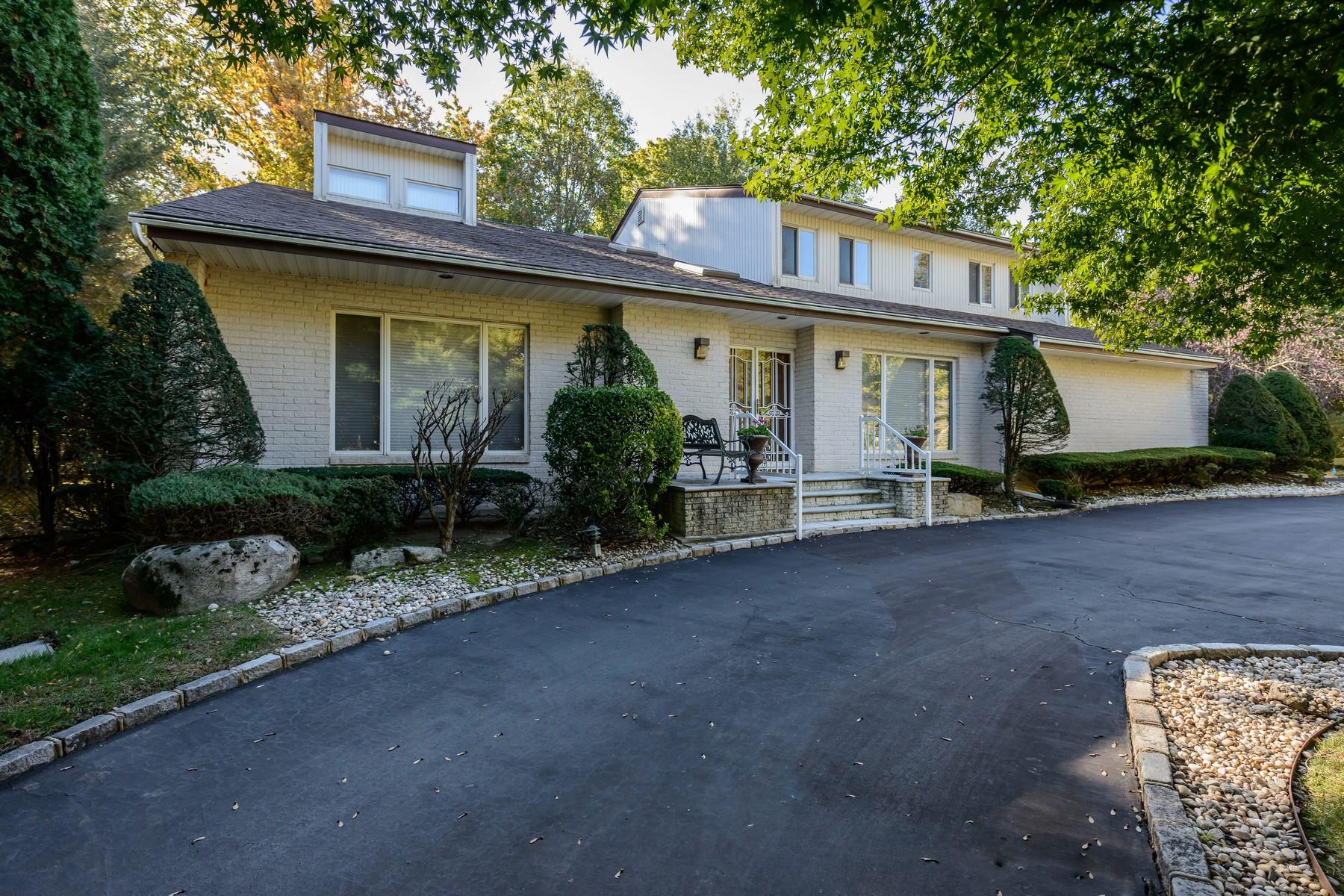 一戸建て のために 売買 アット Colonial 2 Woodland Ct Roslyn, ニューヨーク, 11576 アメリカ合衆国