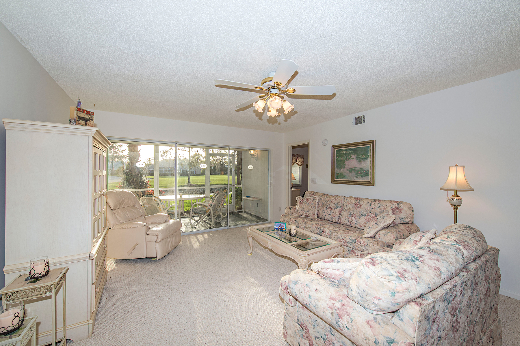 Appartement en copropriété pour l Vente à ROYAL WOOD - AMHERST 5950 Amherst Dr A102 Naples, Florida 34112 États-Unis