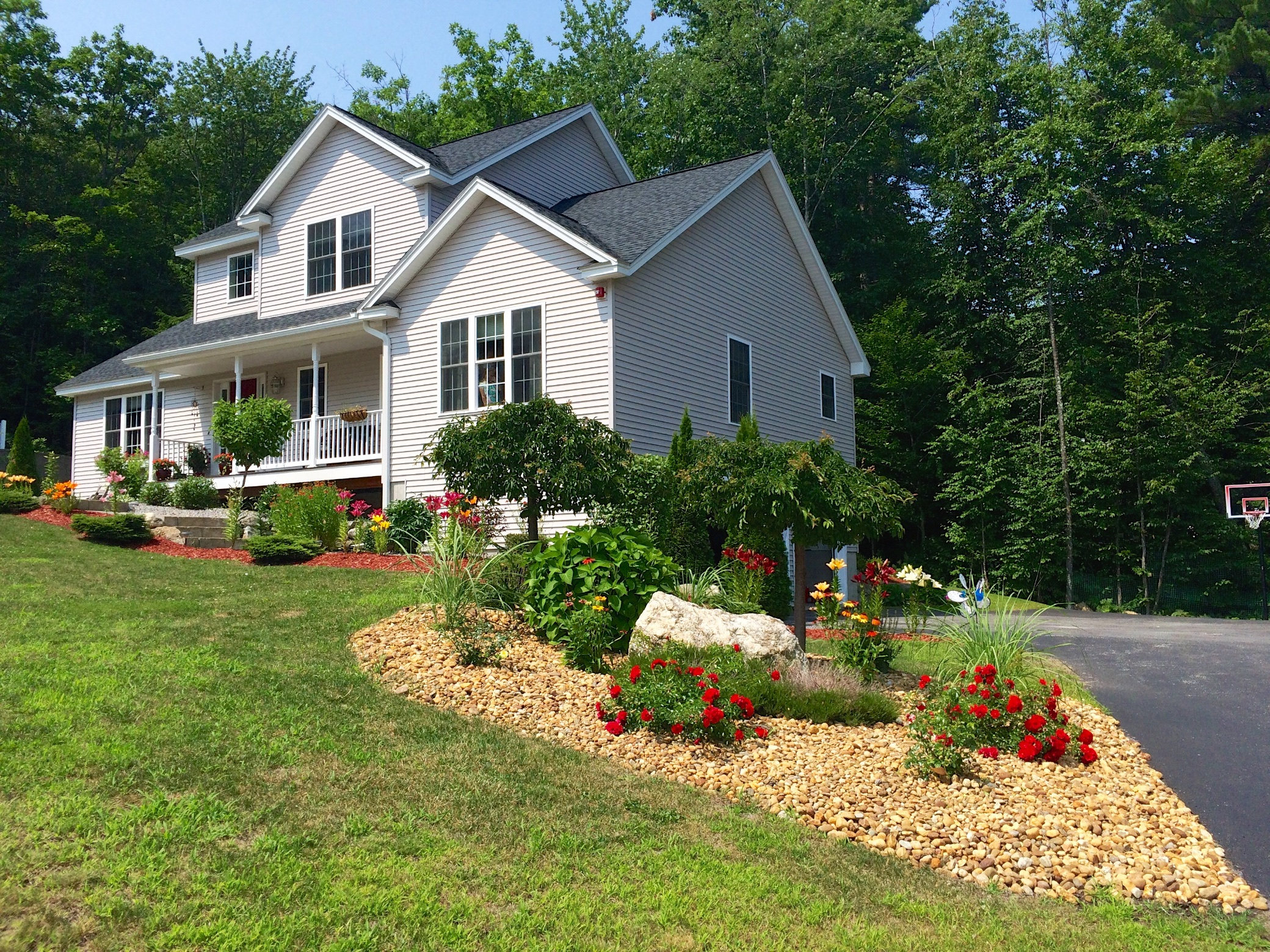 Single Family Home for Sale at 35 Sterling Dr, Laconia Laconia, New Hampshire, 03246 United States
