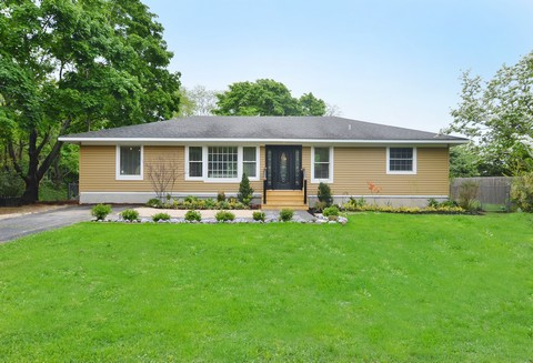 단독 가정 주택 용 매매 에 Ranch 1285 Marratooka Ln Mattituck, 뉴욕 11952 미국