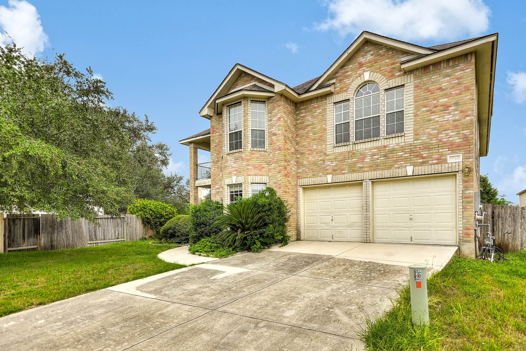 Additional photo for property listing at Spacious Home in Oak Run 1759 Oak Glen New Braunfels, Texas 78132 United States