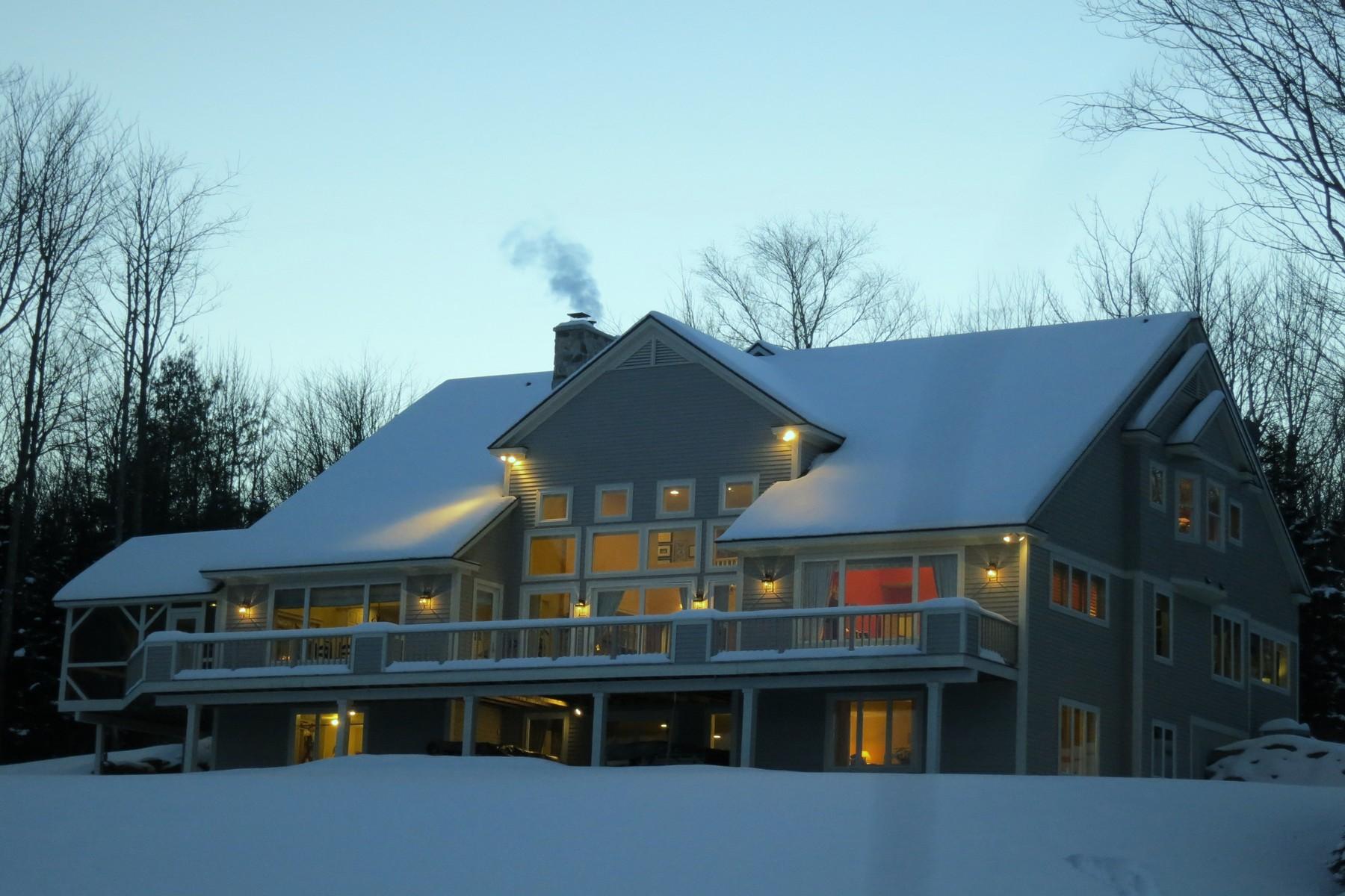 Maison unifamiliale pour l Vente à Mountain Elegance 178 County Rd Stratton, Vermont, 05155 États-Unis