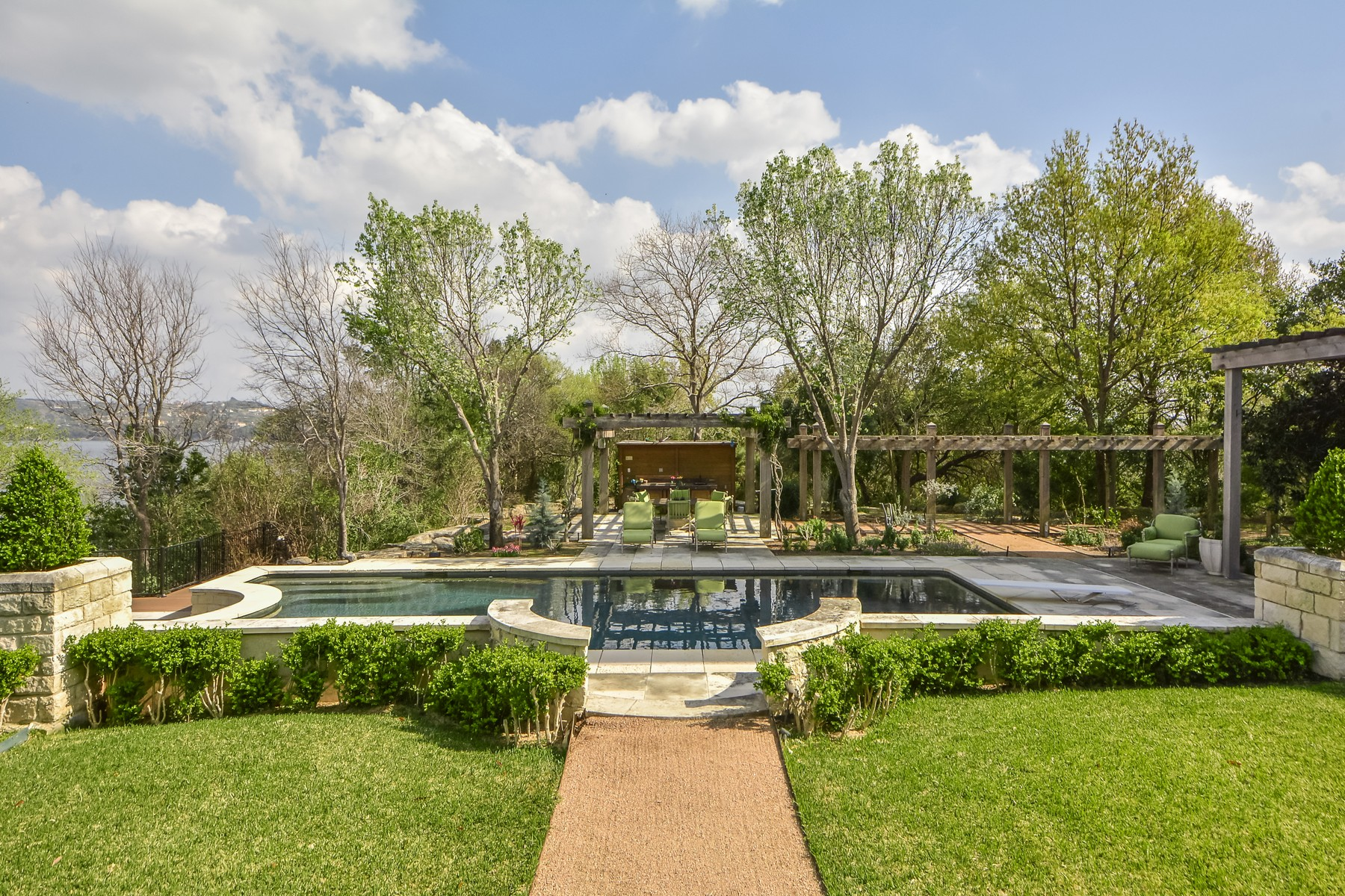 Additional photo for property listing at Commander's Point Estate 14425 Agarita Rd Austin, Texas 78734 United States