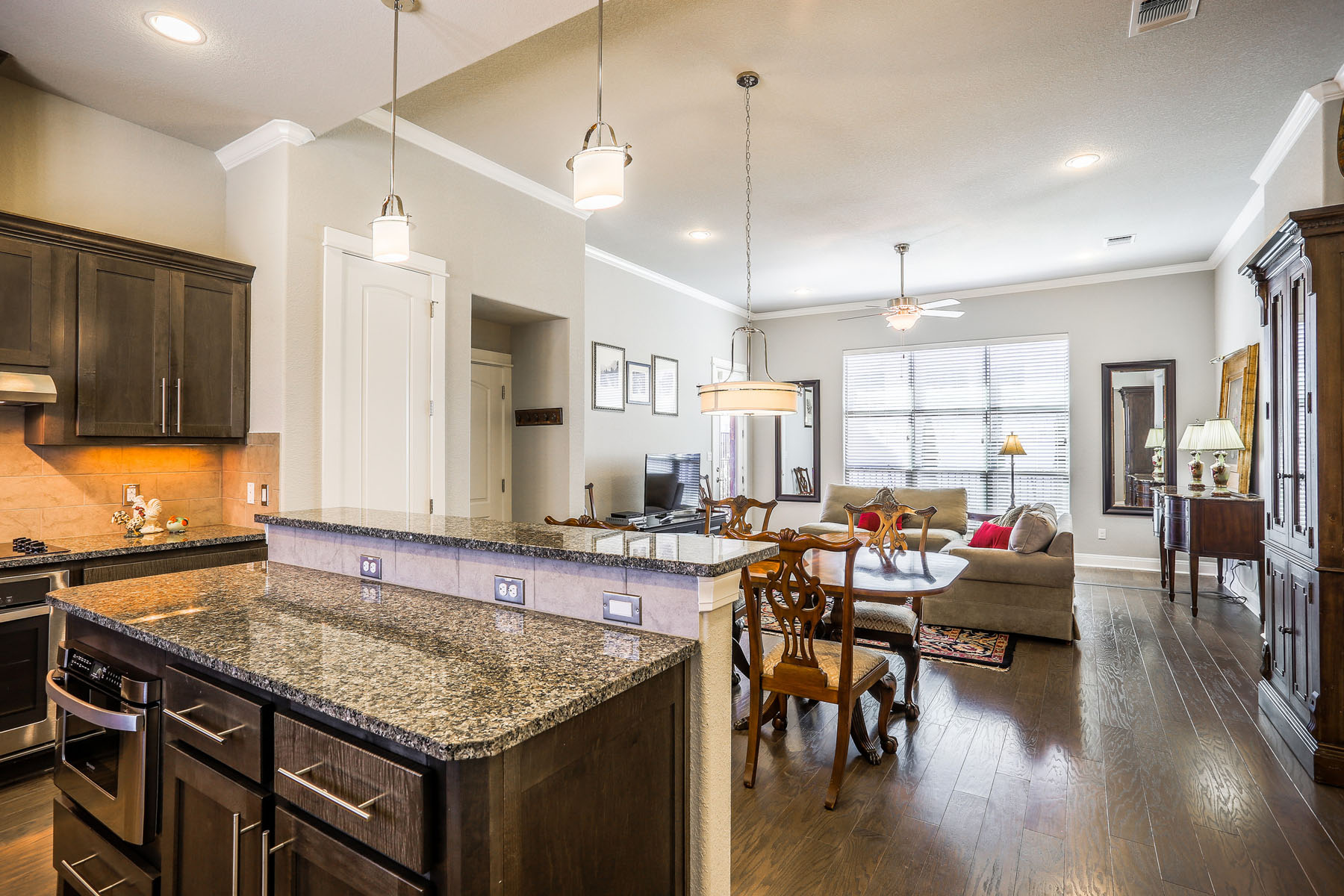 Additional photo for property listing at Lovely Lock and Leave Lifestyle in Lakeway 3606 Royal Sage Dr 23 Austin, Texas 78738 United States