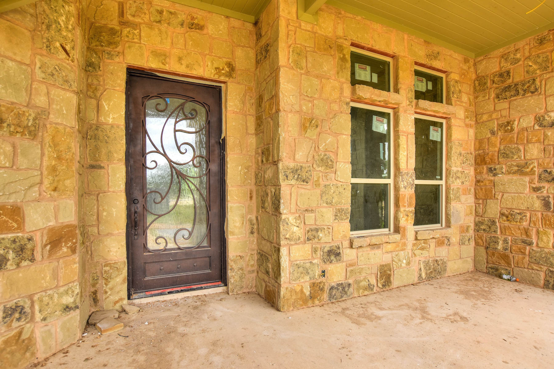 Additional photo for property listing at Gorgeous Custom Home in Vintage Oaks 1248 Merlot New Braunfels, Texas 78132 Estados Unidos