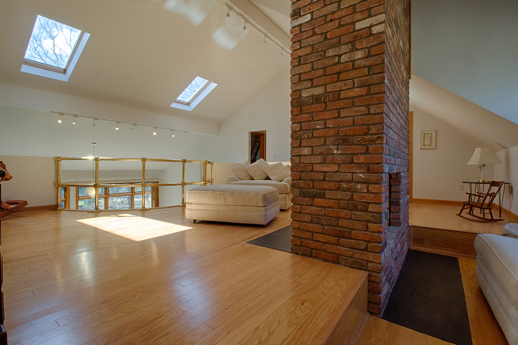 Additional photo for property listing at Spectacular Contemporary Home 78  Hampton St Delmar, 纽约州 12054 美国