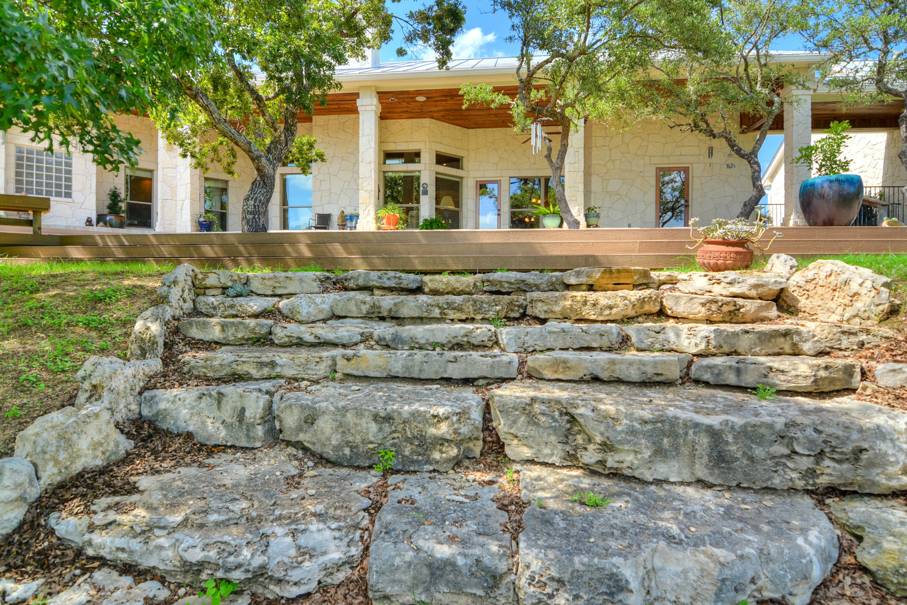Additional photo for property listing at Custom Home in Woodridge Estates 979 Kendall Jackson Comfort, Texas 78013 Estados Unidos