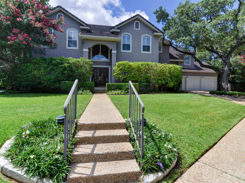Single Family Home for Sale at Secluded Northwood Home 106 Sleepy Elm Northwood, San Antonio, Texas 78209 United States