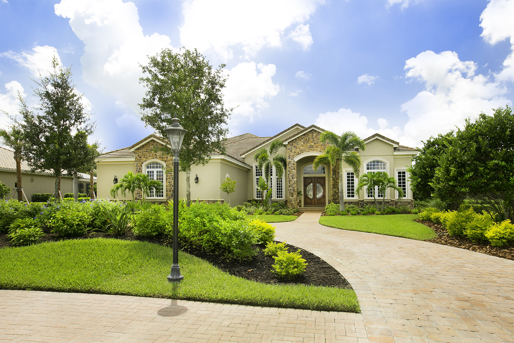 Einfamilienhaus für Verkauf beim 3348 Founders Club Dr , Sarasota, FL 34240 3348 Founders Club Dr Sarasota, Florida, 34240 Vereinigte Staaten