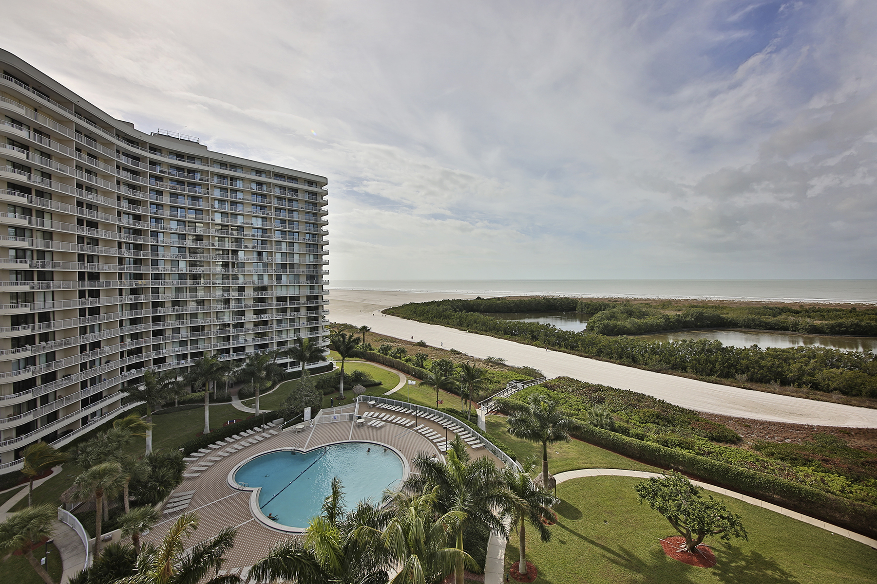 Condomínio para Venda às MARCO ISLAND - SOUTH SEAS 440 Seaview Ct 904 Marco Island, Florida, 34145 Estados Unidos