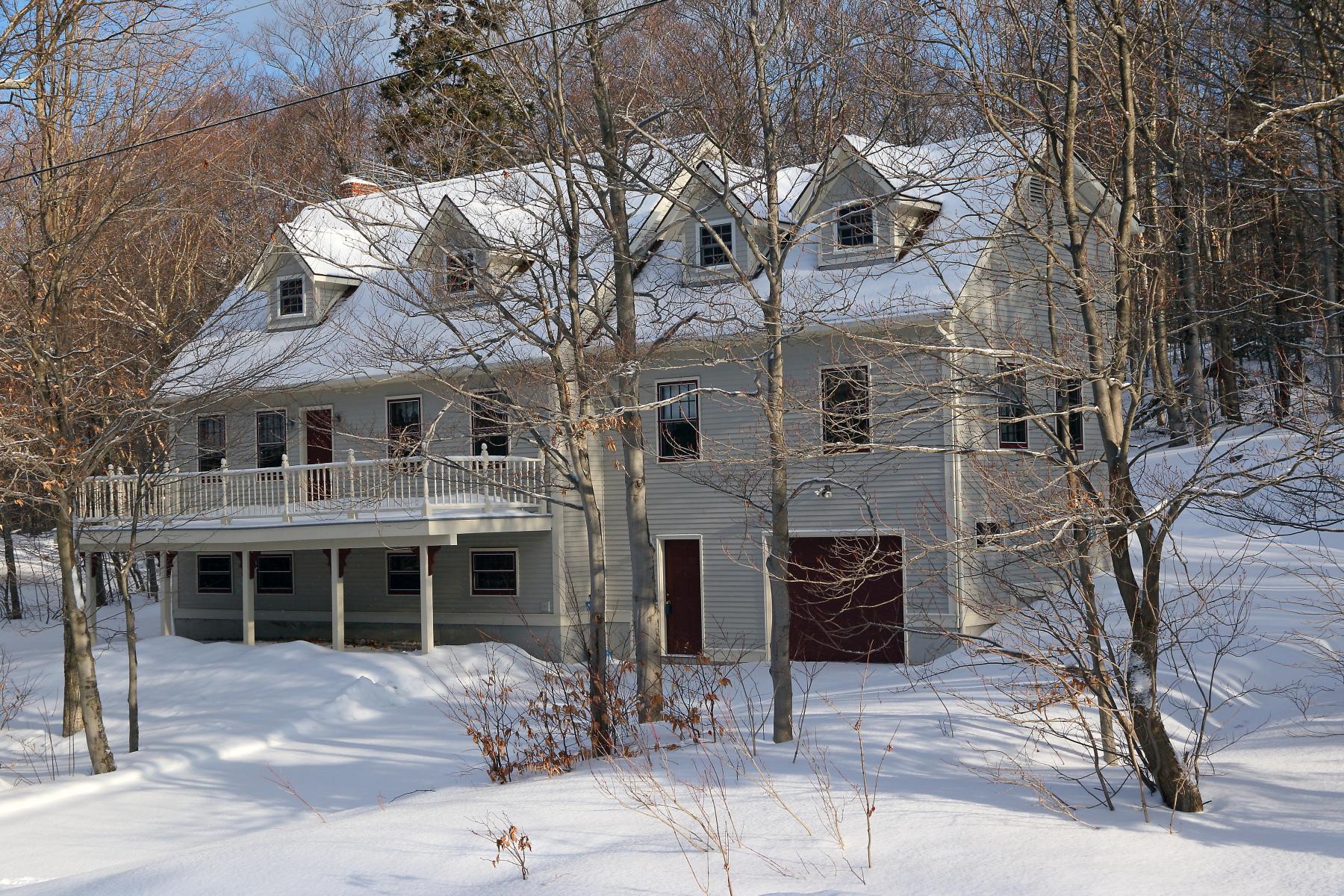 Vivienda unifamiliar por un Venta en 193 Wentworth, Bolton Bolton, Vermont, 05676 Estados Unidos