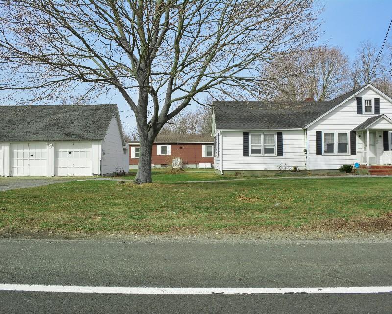 단독 가정 주택 용 매매 에 Ranch 3606,3614 Middle Country Rd Calverton, 뉴욕 11933 미국
