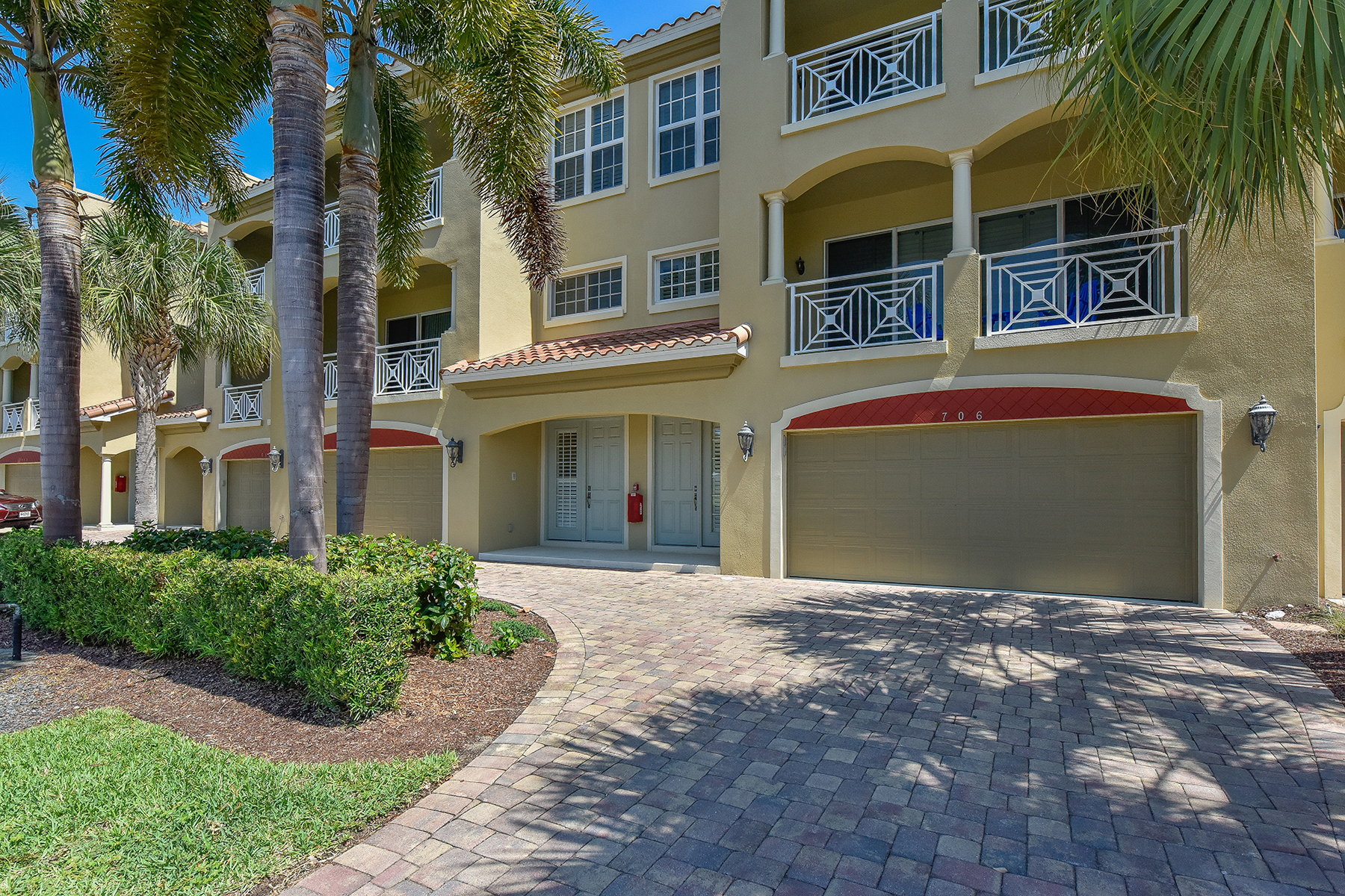 Condominium for Sale at VENICE 708 Granada Ave 4 Venice, Florida, 34285 United States