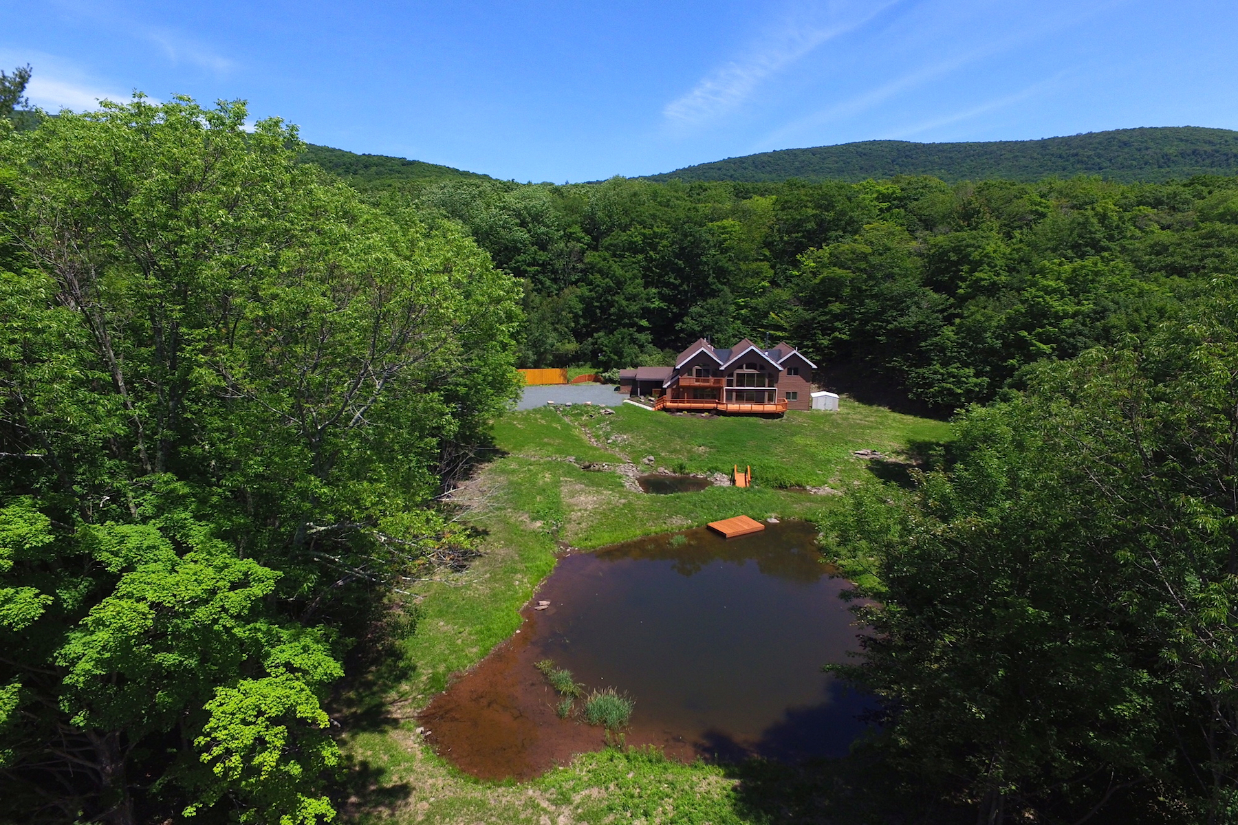 Additional photo for property listing at Restored Contemporary with Stream and Pond 683  Tumbleweed Ranch Rd West Kill, Nueva York 12492 Estados Unidos