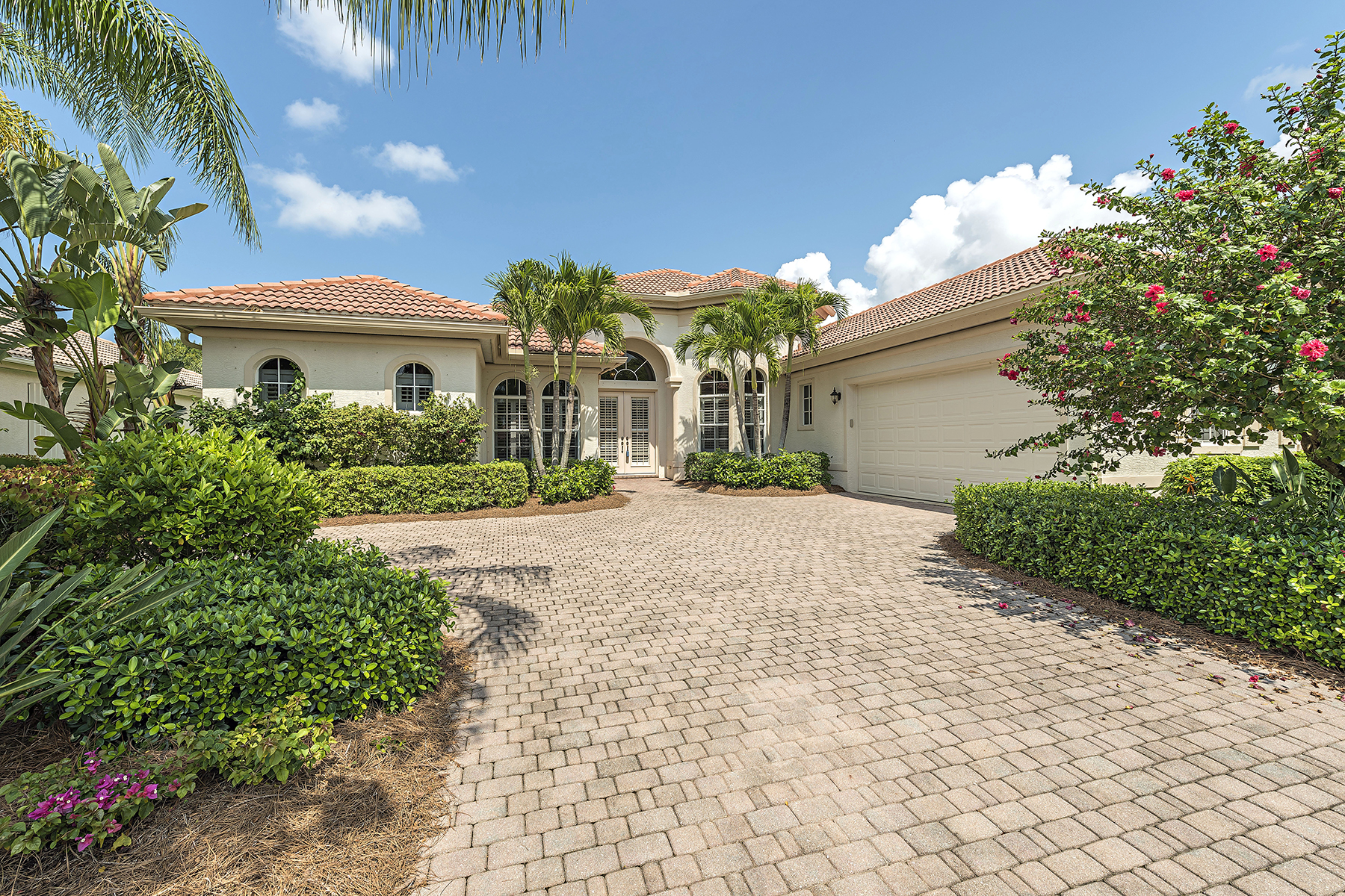 Casa Unifamiliar por un Venta en Cypress Cove 20024 Buttermere Ct Estero, Florida, 33928 Estados Unidos