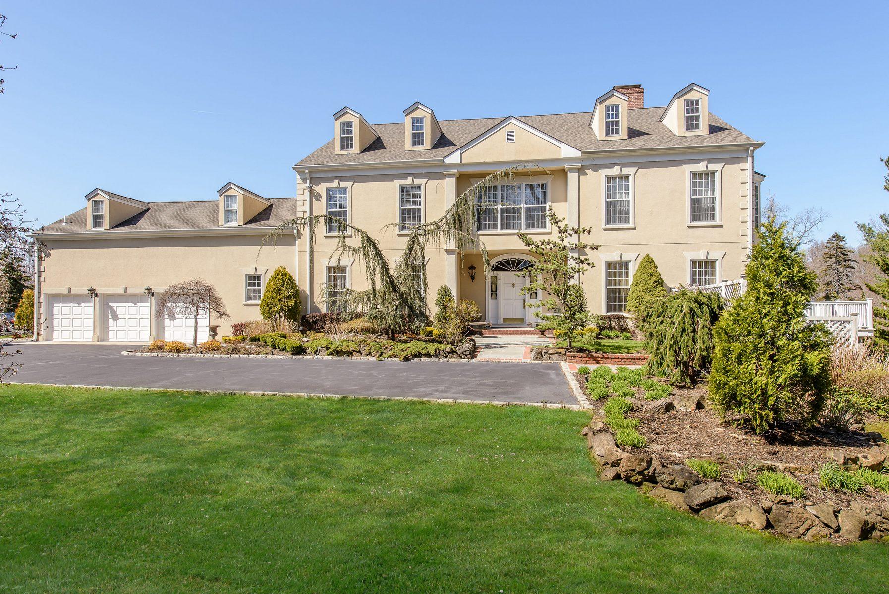 Nhà chung cư vì Bán tại Homeowner Assoc 6 Swan Ct Glen Cove, New York, 11542 Hoa Kỳ