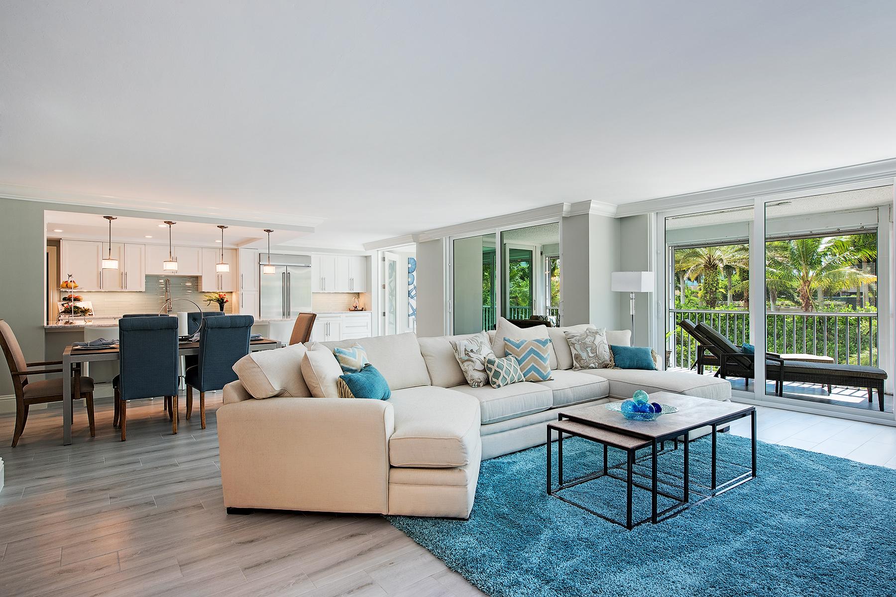 Eigentumswohnung für Verkauf beim PARK SHORE - MONACO BEACH CLUB 4401 Gulf Shore Blvd N 205 Naples, Florida, 34103 Vereinigte Staaten