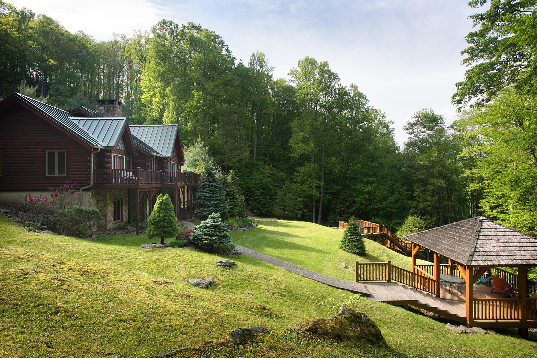 Casa para uma família para Venda às VALLE CRUCIS 218 Poor Mans Hollar Banner Elk, Carolina Do Norte, 28604 Estados Unidos