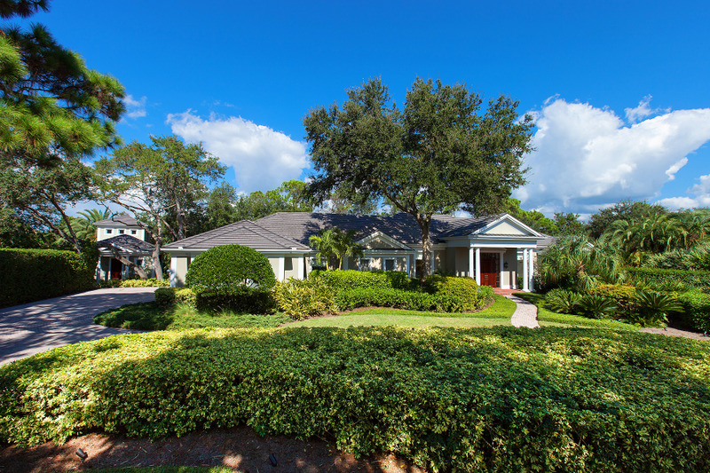 Single Family Home for Sale at THE OAKS BAYSIDE 324 Osprey Point Dr Osprey, Florida, 34229 United States