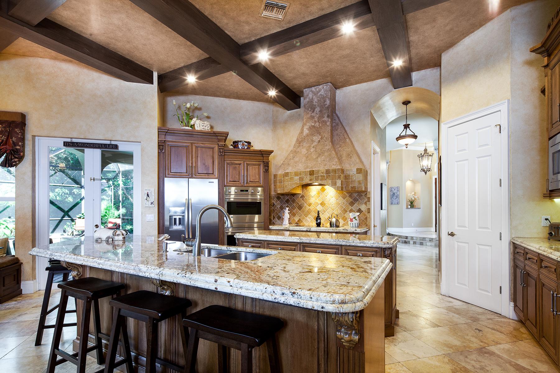 Nhà ở một gia đình vì Bán tại MONTEREY 8044 Cadiz Ct Naples, Florida, 34109 Hoa Kỳ