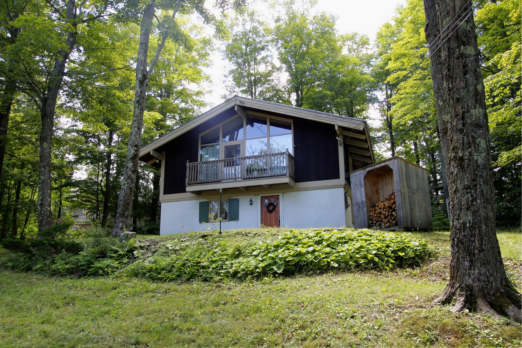 Single Family Home for Sale at 6 West Round Road, Winhall 6 West Round Rd Winhall, Vermont, 05340 United States