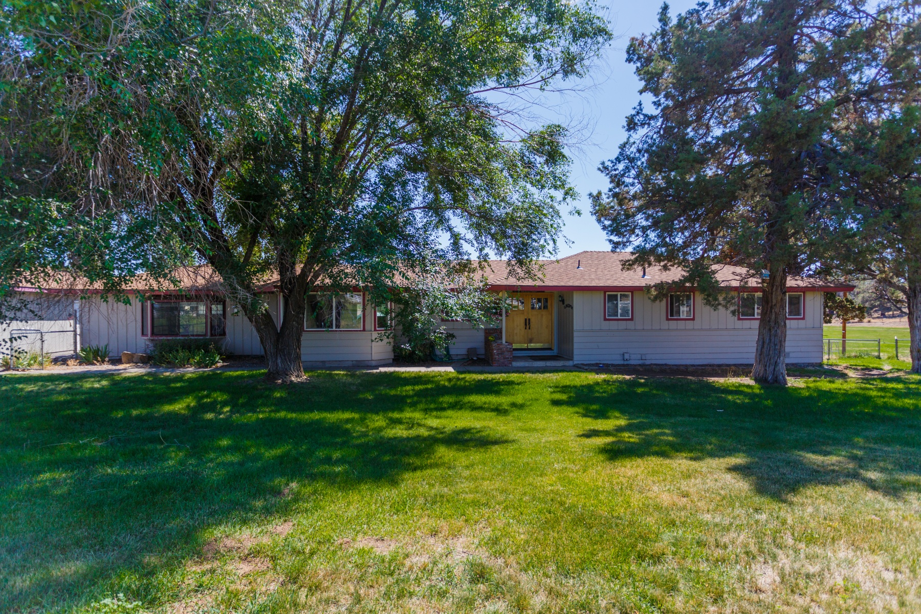 Single Family Home for Sale at 62365 Deer Trail, BEND 62365 Deer Trail Rd Bend, Oregon 97701 United States