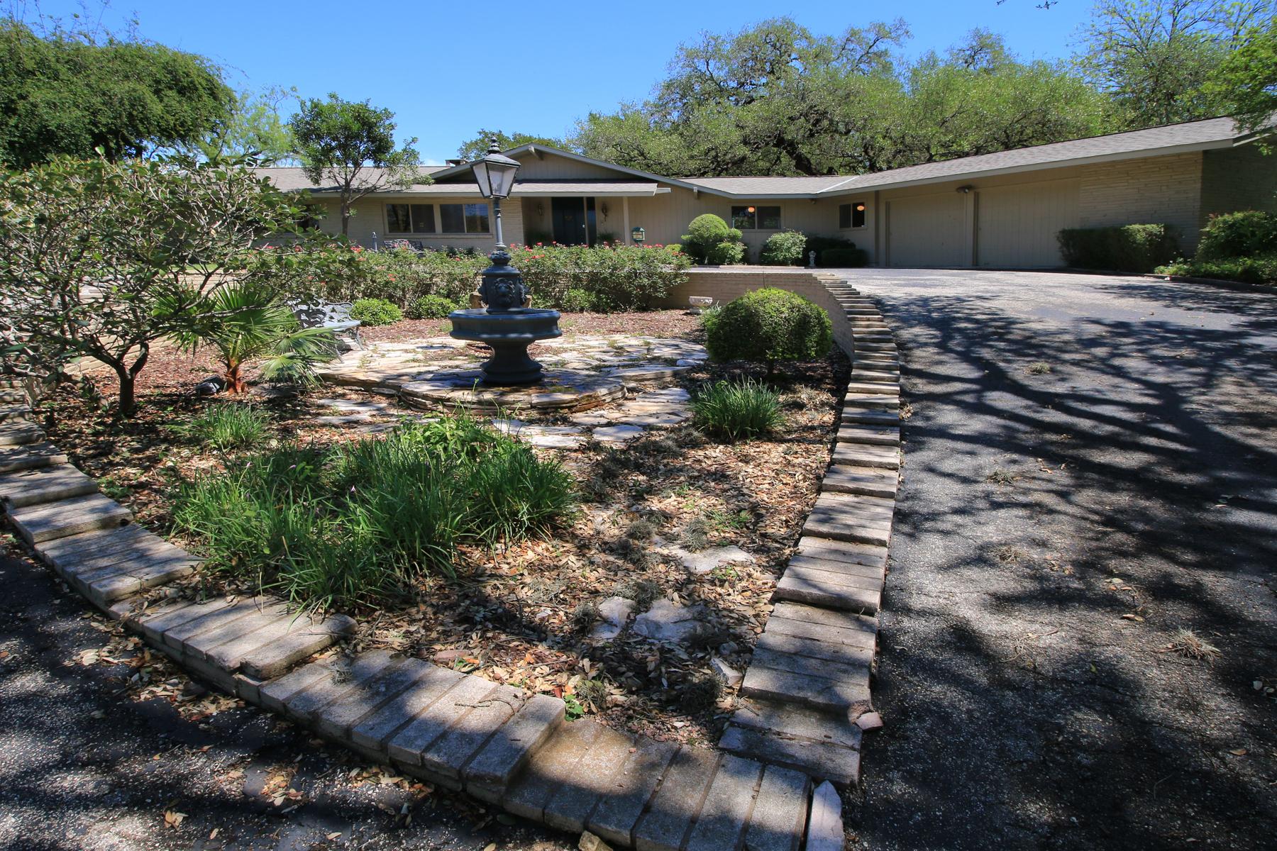 Maison unifamiliale pour l Vente à Impressive Home in Northwood 2222 Nacogdoches Rd Northwood, San Antonio, Texas, 78209 États-Unis