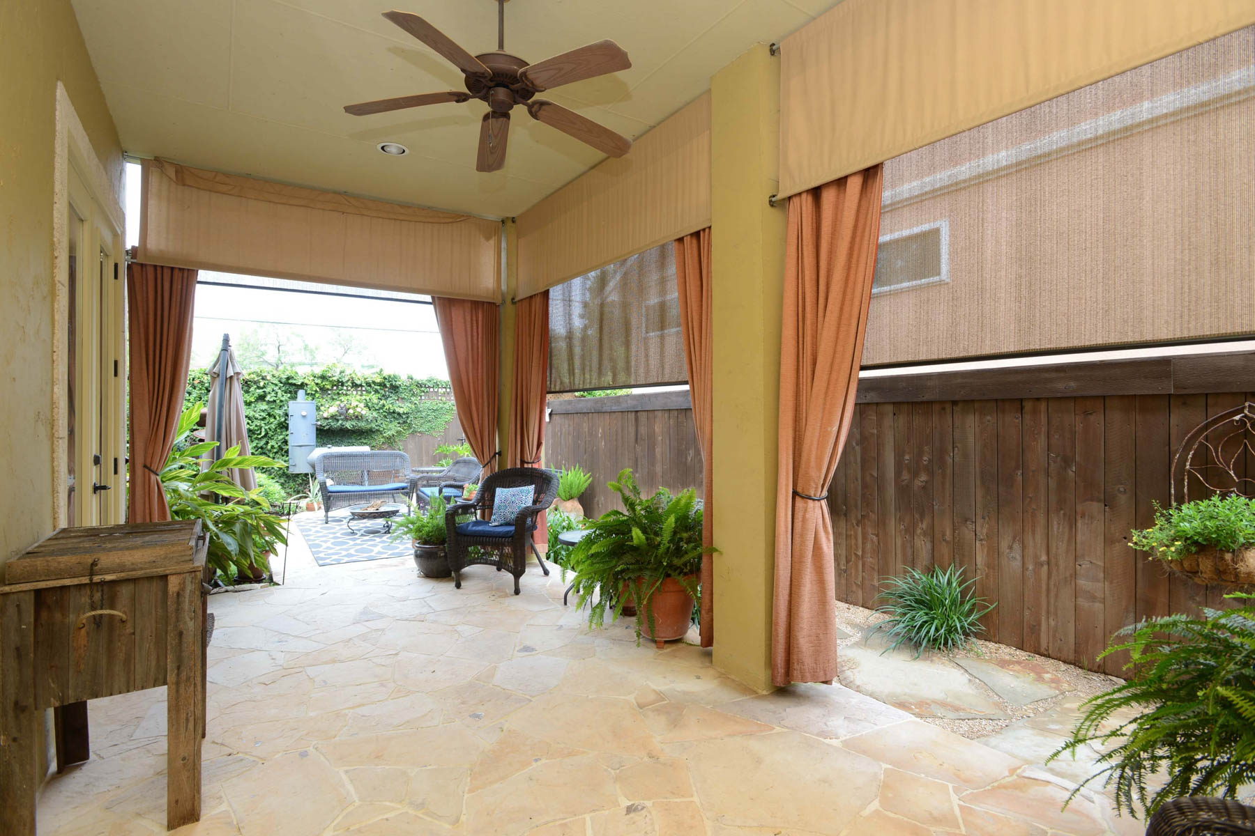 Additional photo for property listing at Luxury Home in Northwood 7111 Bethencourt San Antonio, Texas 78209 United States