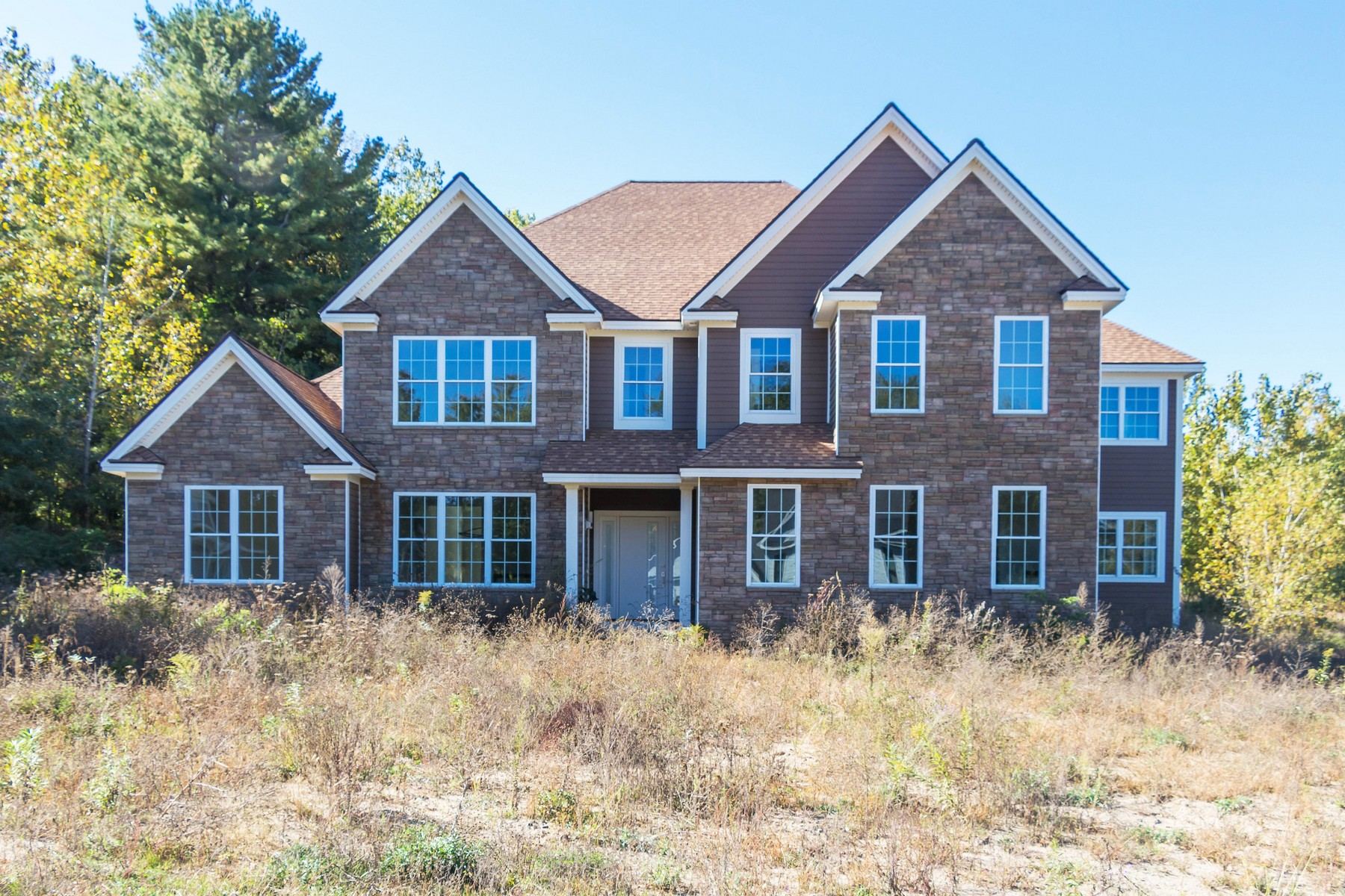 Maison unifamiliale pour l Vente à New Construction Without the Wait 909 Sussex Ct Guilderland, New York 12084 États-Unis